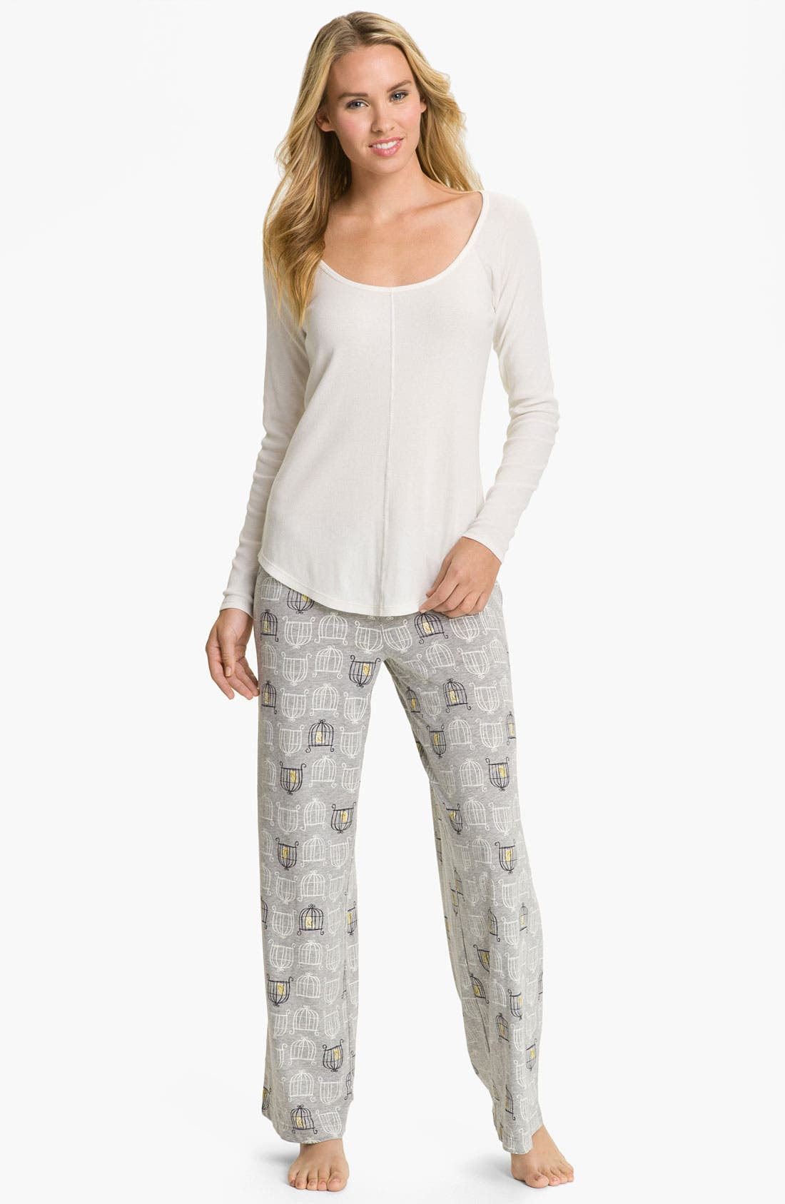 Alternate Image 4  - Hue 'Birdcage' Pajama Pants
