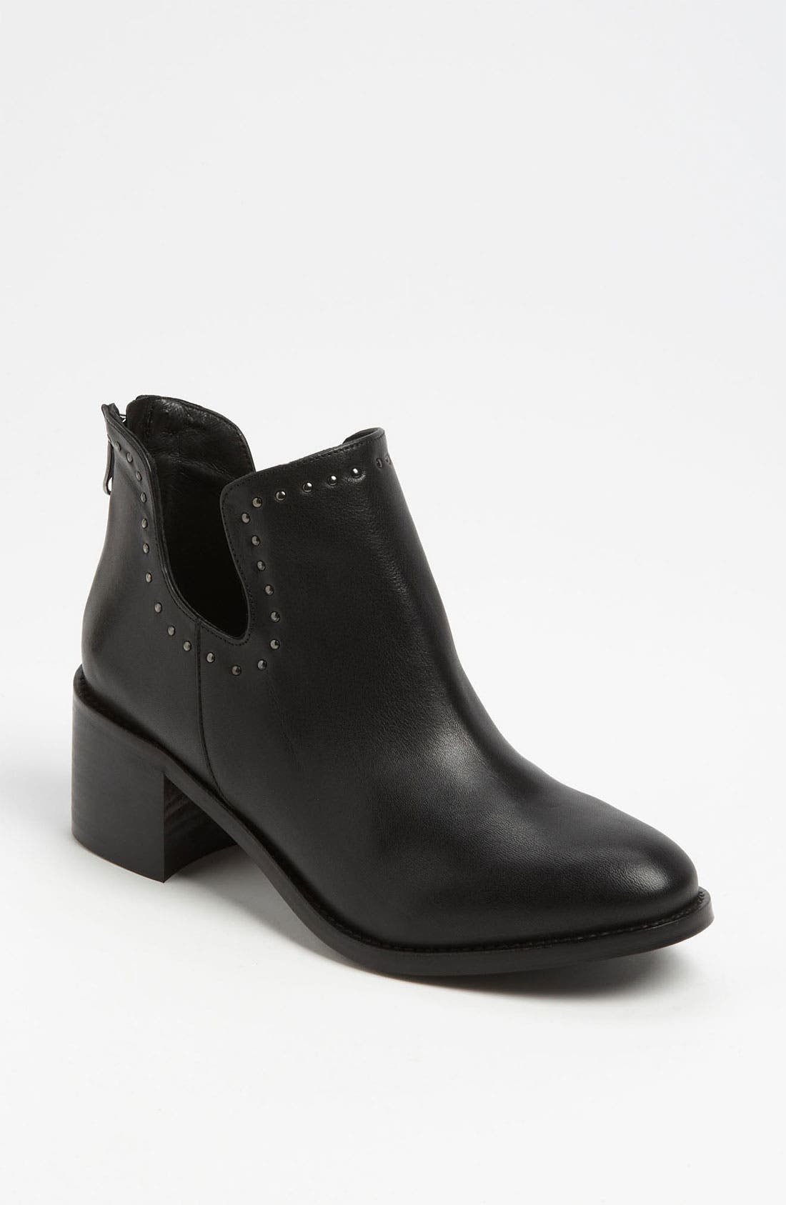 Alternate Image 1 Selected - Topshop 'Accent' Boot