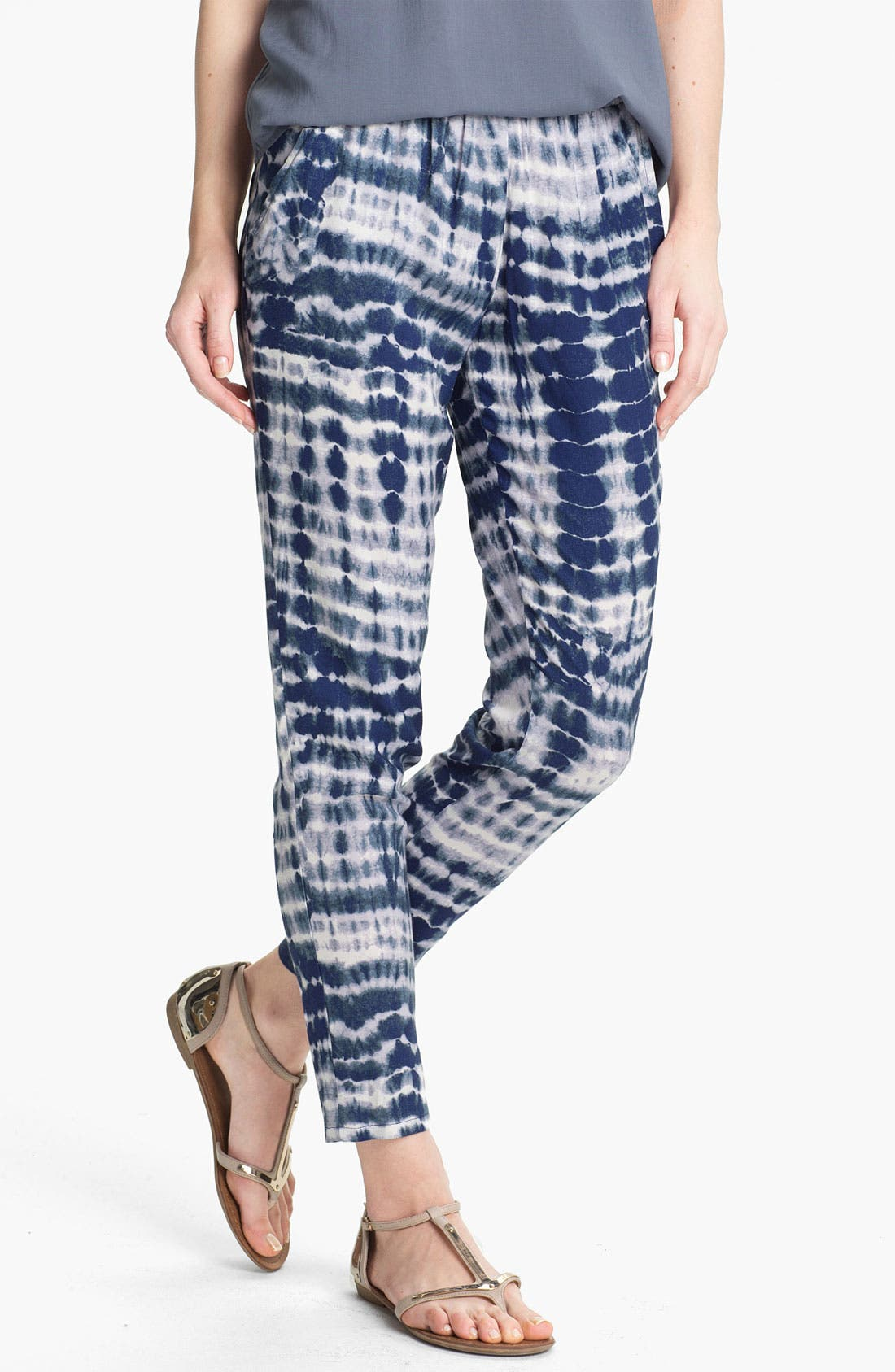 Main Image - Lily White Print Tapered Pants (Juniors)