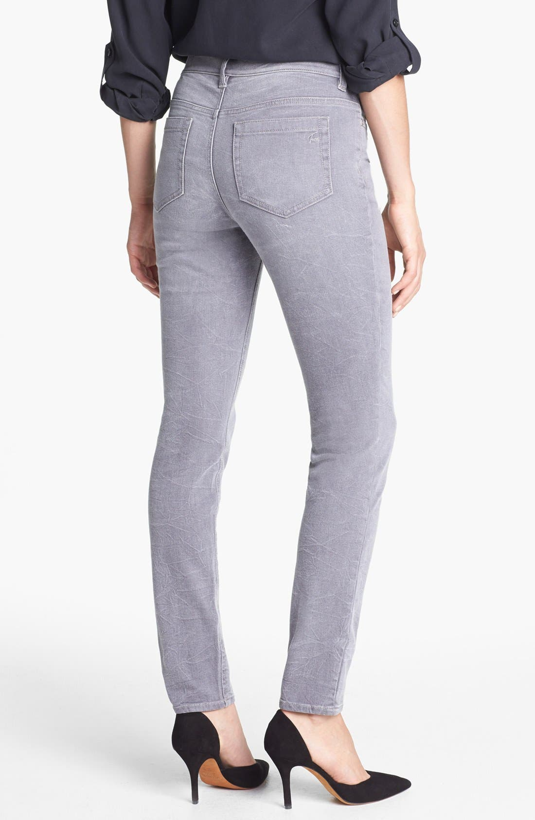 Alternate Image 4  - Two by Vince Camuto Sand Washed Skinny Jeans (Sandy Grey)