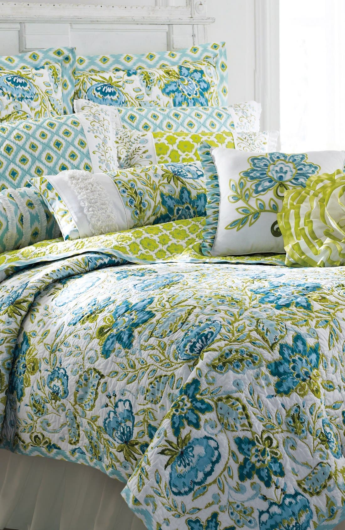 Main Image - Dena Home 'Seraphina' Print Quilt