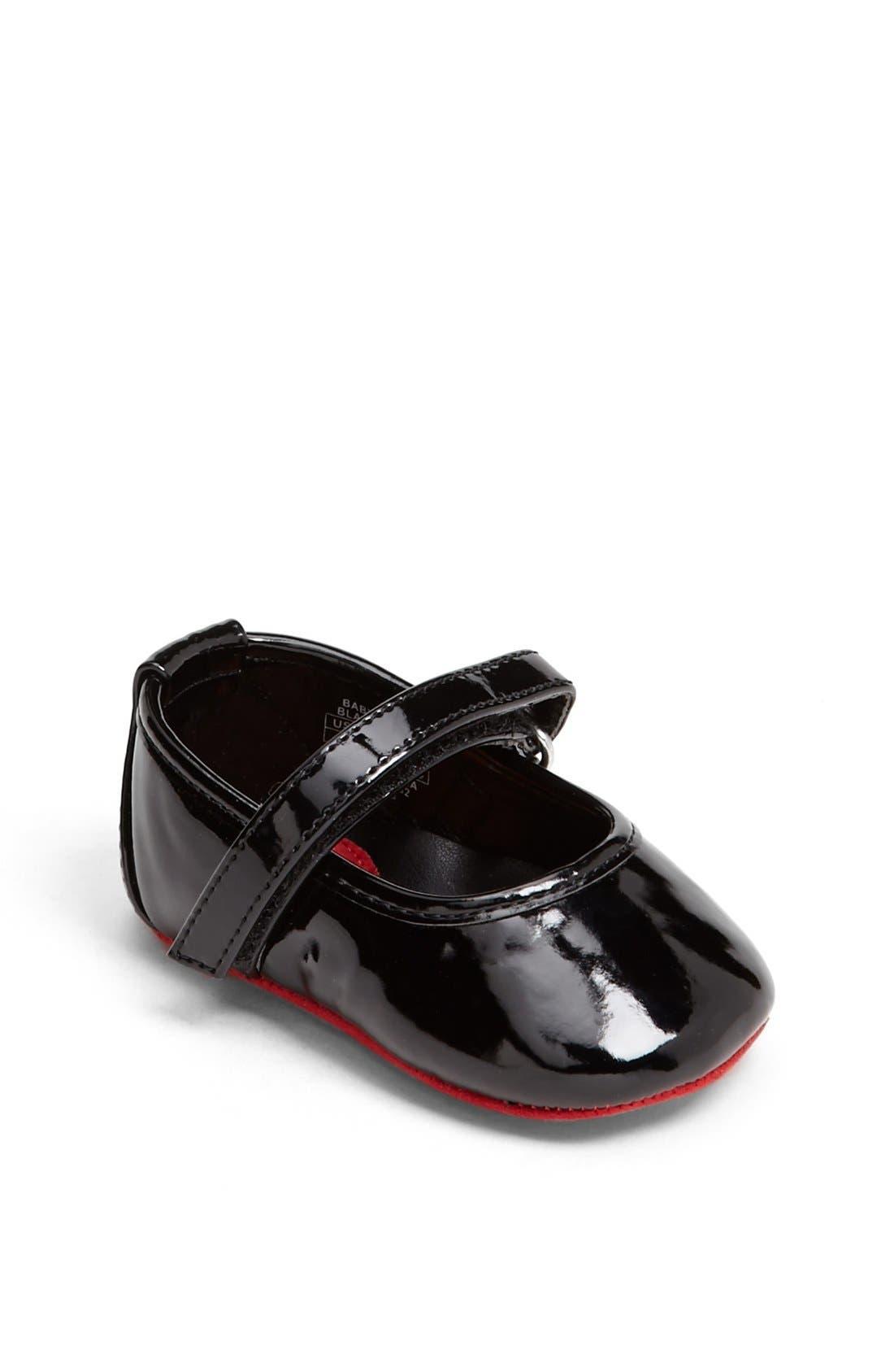 Main Image - Stuart Weitzman 'Baby Caviar' Patent Crib Shoe (Baby)