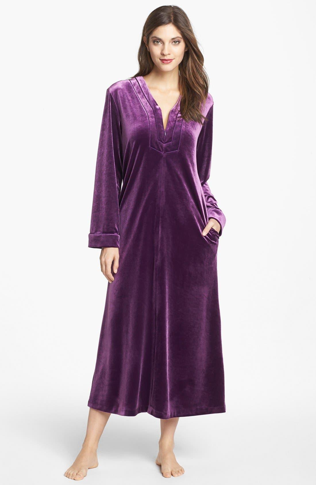 Main Image - Oscar de la Renta Sleepwear 'Zahara Nights' Zip Front Velvet Robe