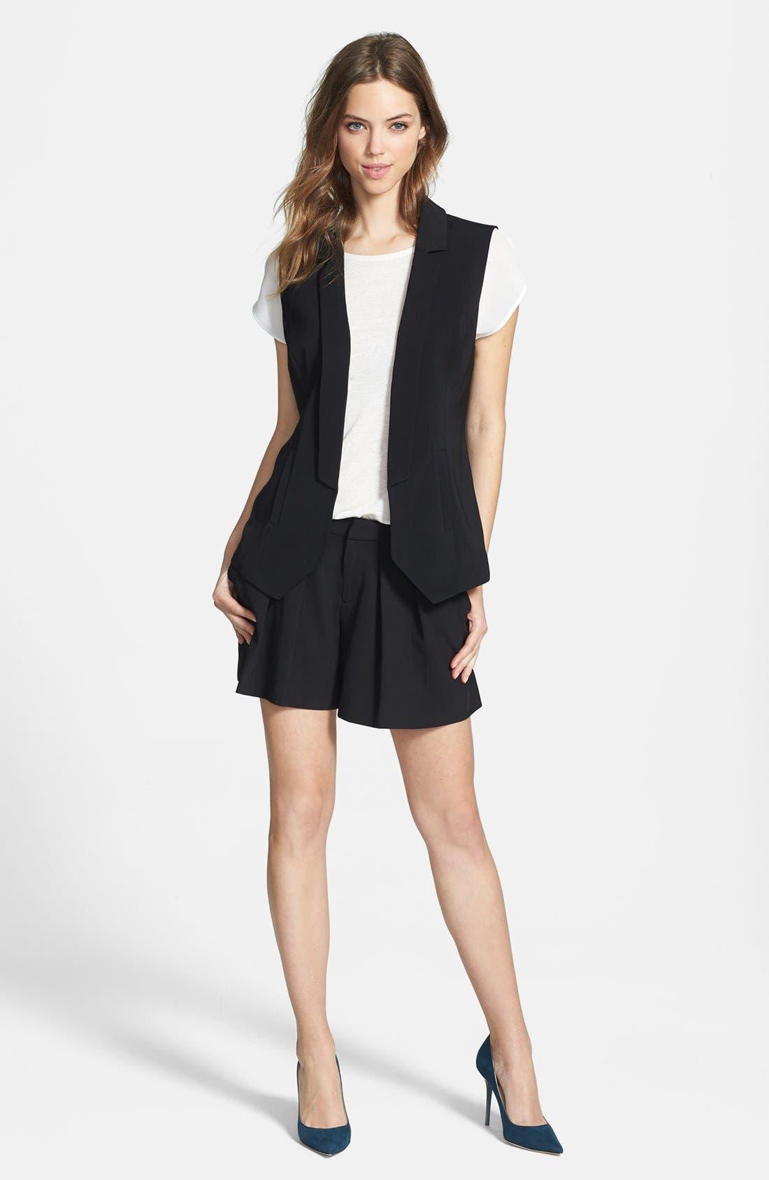 Alternate Image 4  - Halogen® Pleat Front Shorts