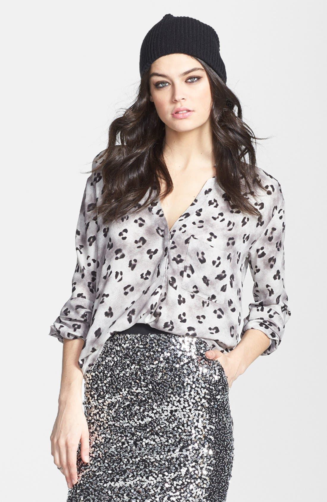 Main Image - ASTR Notched V-Neck Woven Blouse