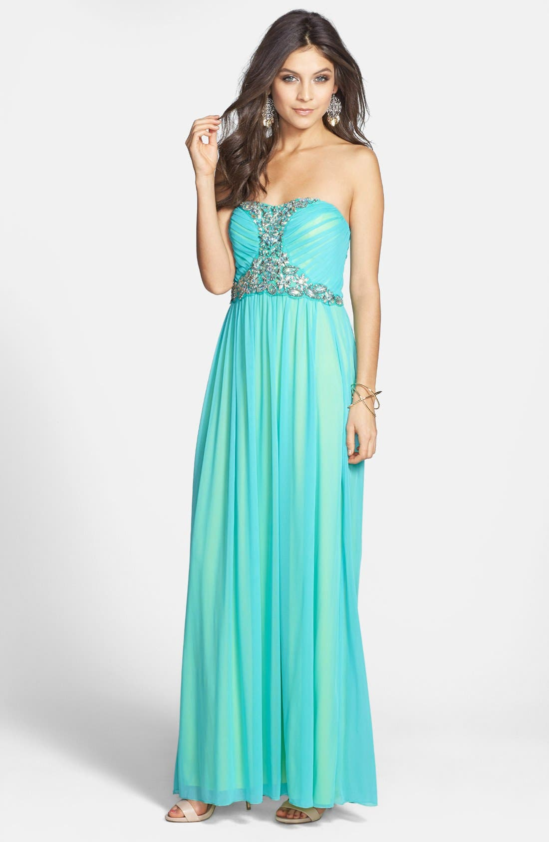 Main Image - Way-In Beaded Strapless Mesh Gown (Juniors)