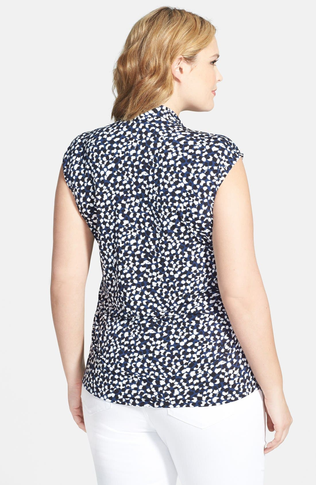 Alternate Image 2  - Vince Camuto 'Doodle Dabs' Print Pleat Front V-Neck Top (Plus Size)