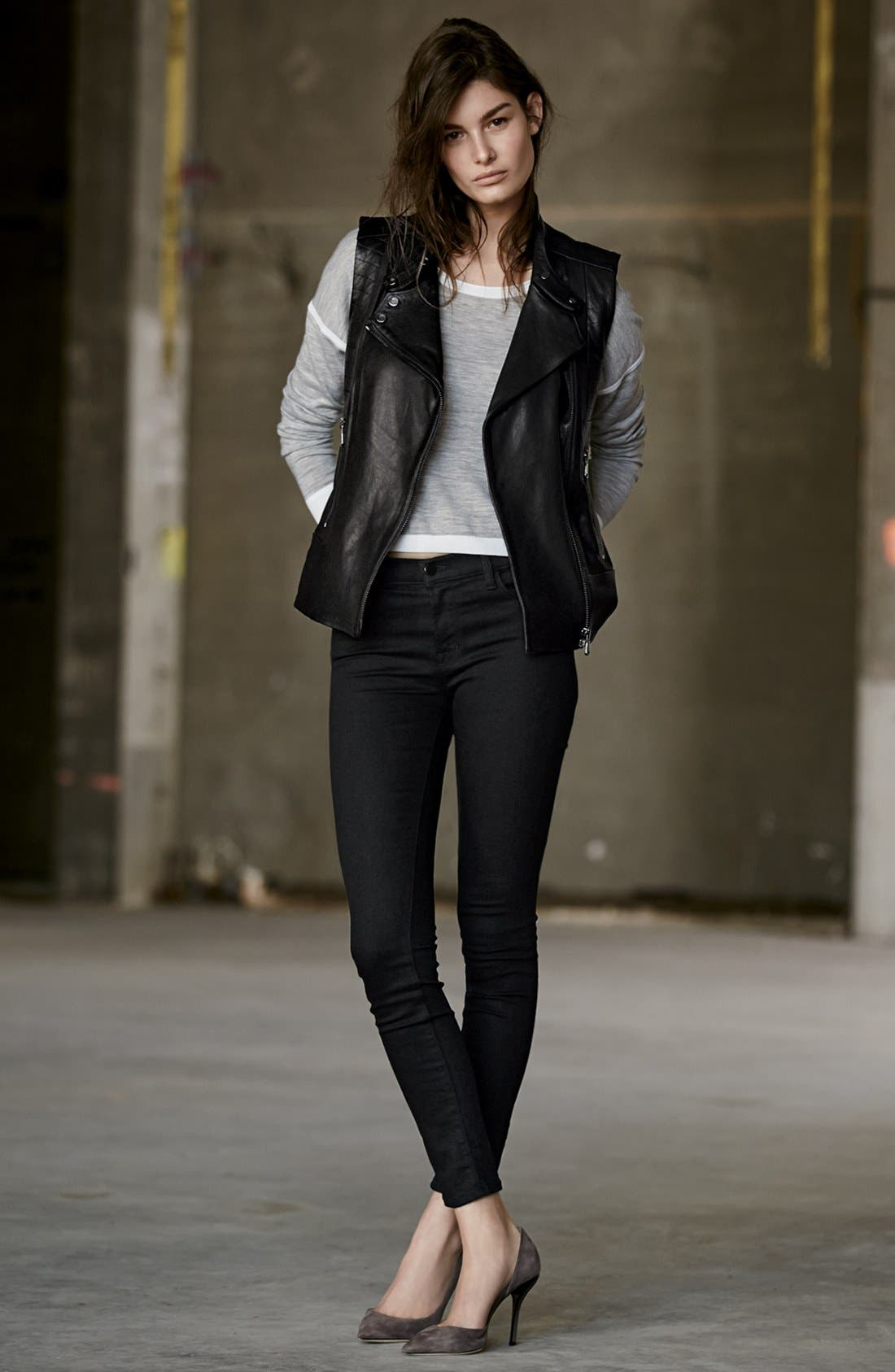 Alternate Image 6  - J Brand '811' Mid Rise Skinny Jeans (Photo Ready Vanity)