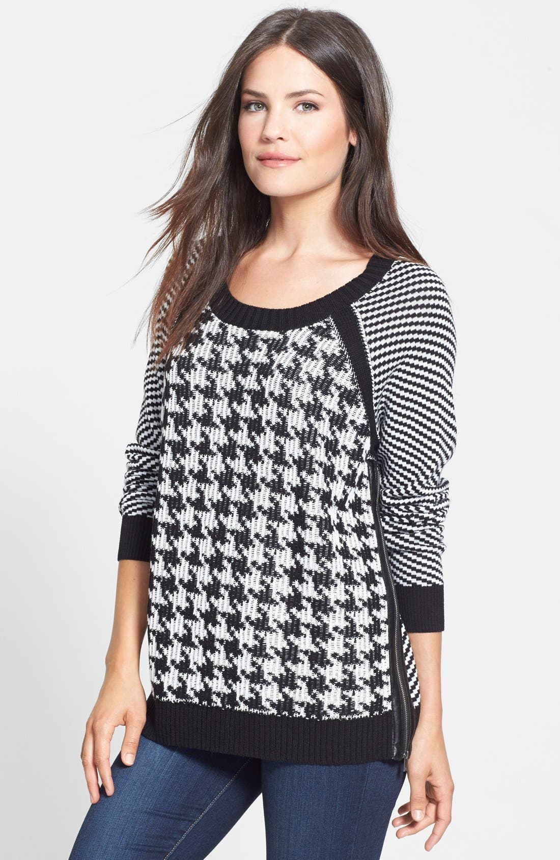 Alternate Image 1 Selected - Two by Vince Camuto Houndstooth Front Jacquard Sweater