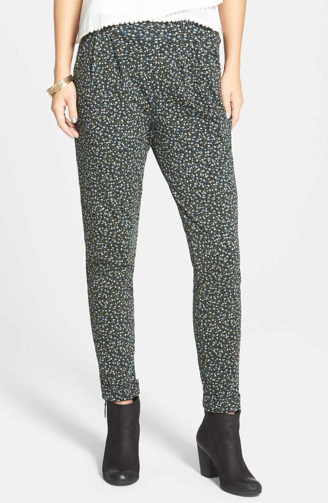 Main Image - Lily White Pleat Knit Slouchy Pants (Juniors)