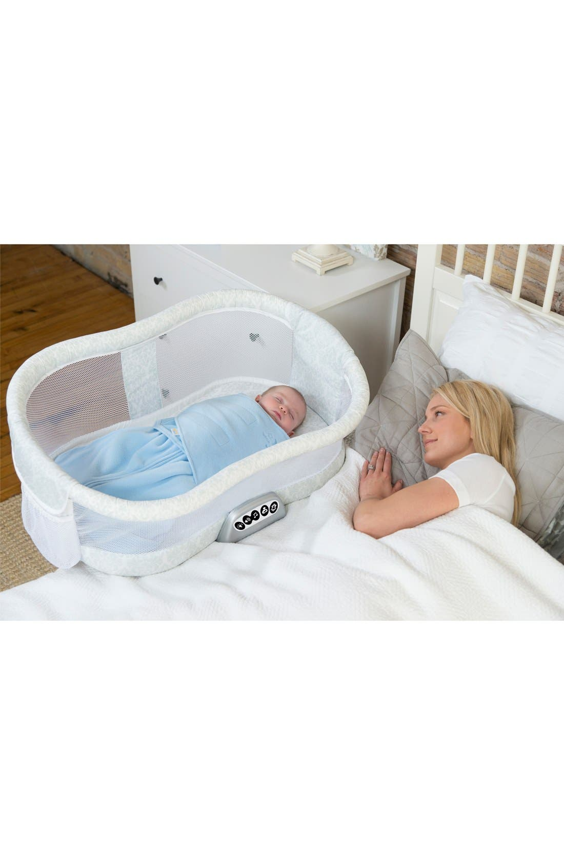 Alternate Image 5  - Halo Innovations 'Bassinest' Bedside Swivel Sleeper (Baby)