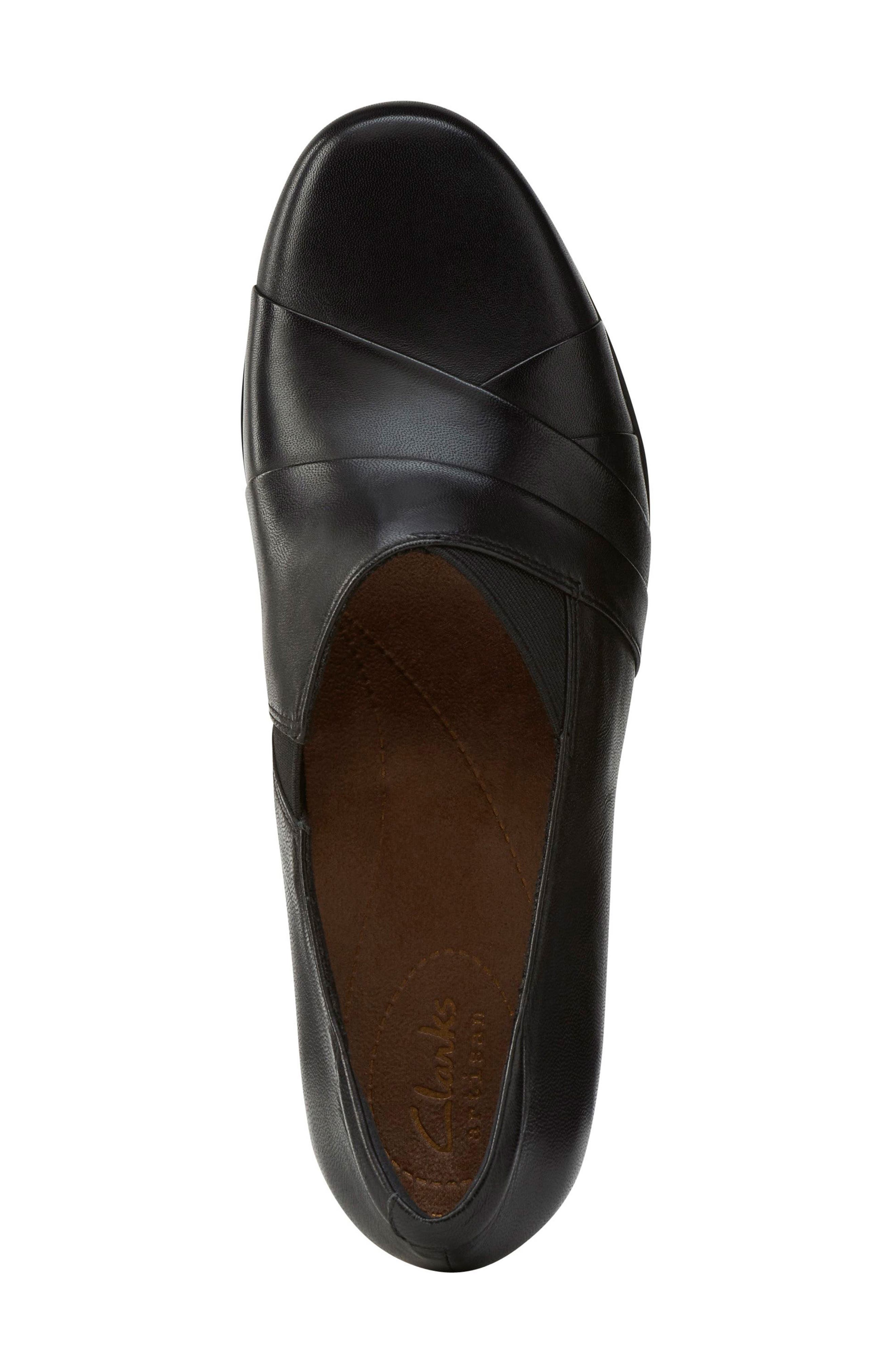 'Rosalyn Adele' Block Heel Pump,                             Alternate thumbnail 3, color,                             Black Leather