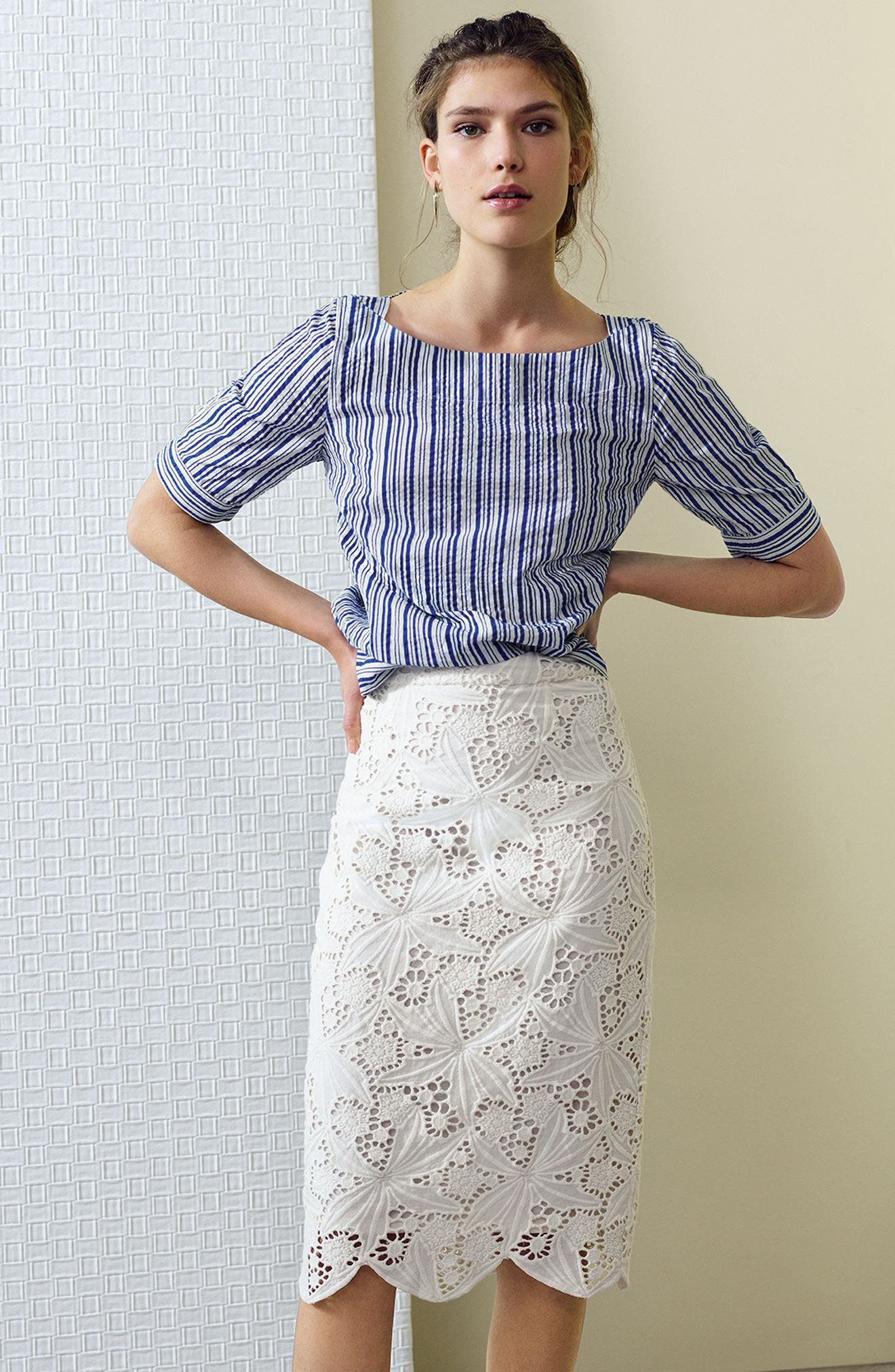 Alternate Image 2  - Halogen® Scalloped Lace Pencil Skirt (Regular & Petite)