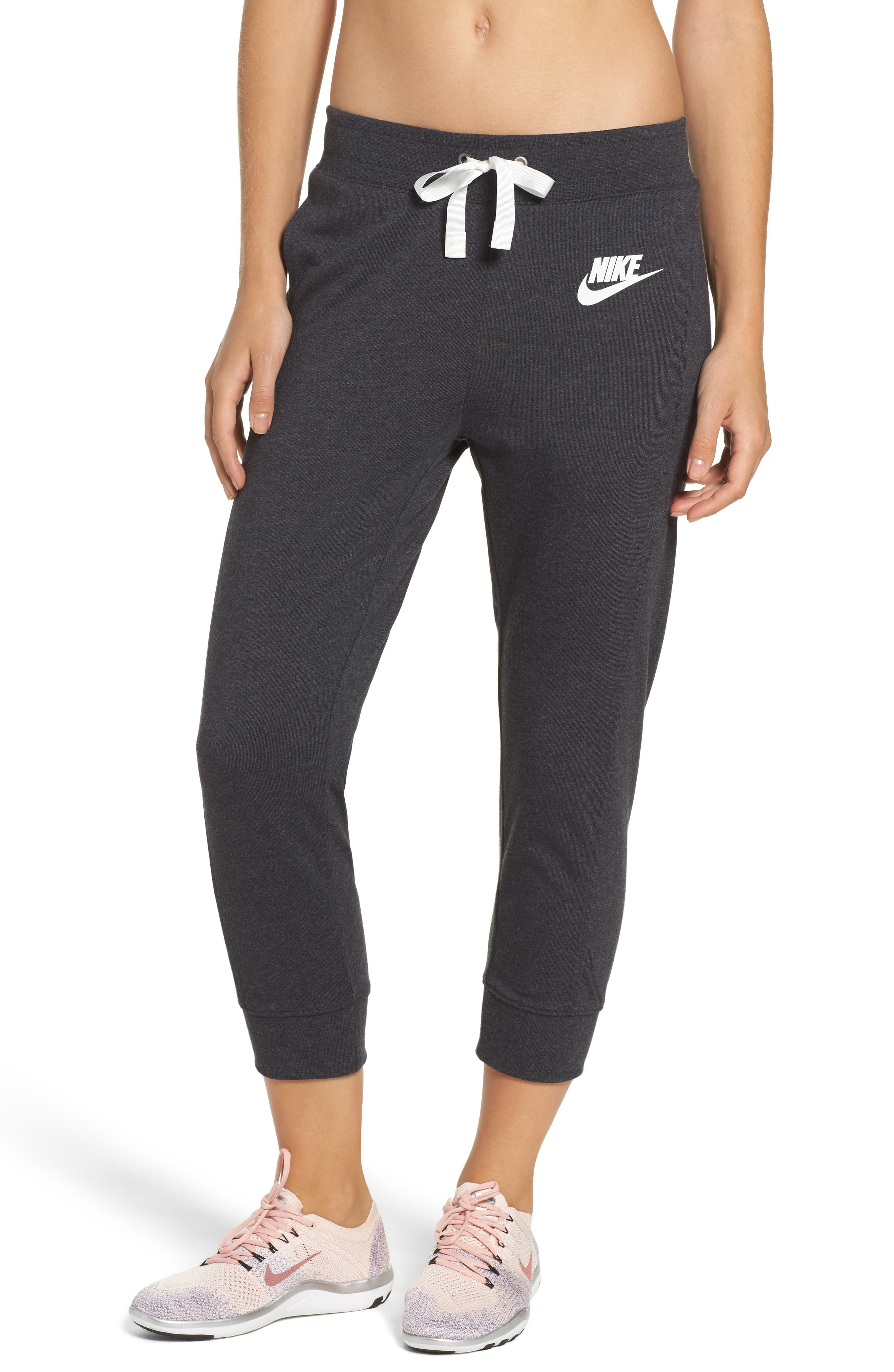 Women's Capris - Nike Gym Vintage - Night Maroon/Sail : P41v4086