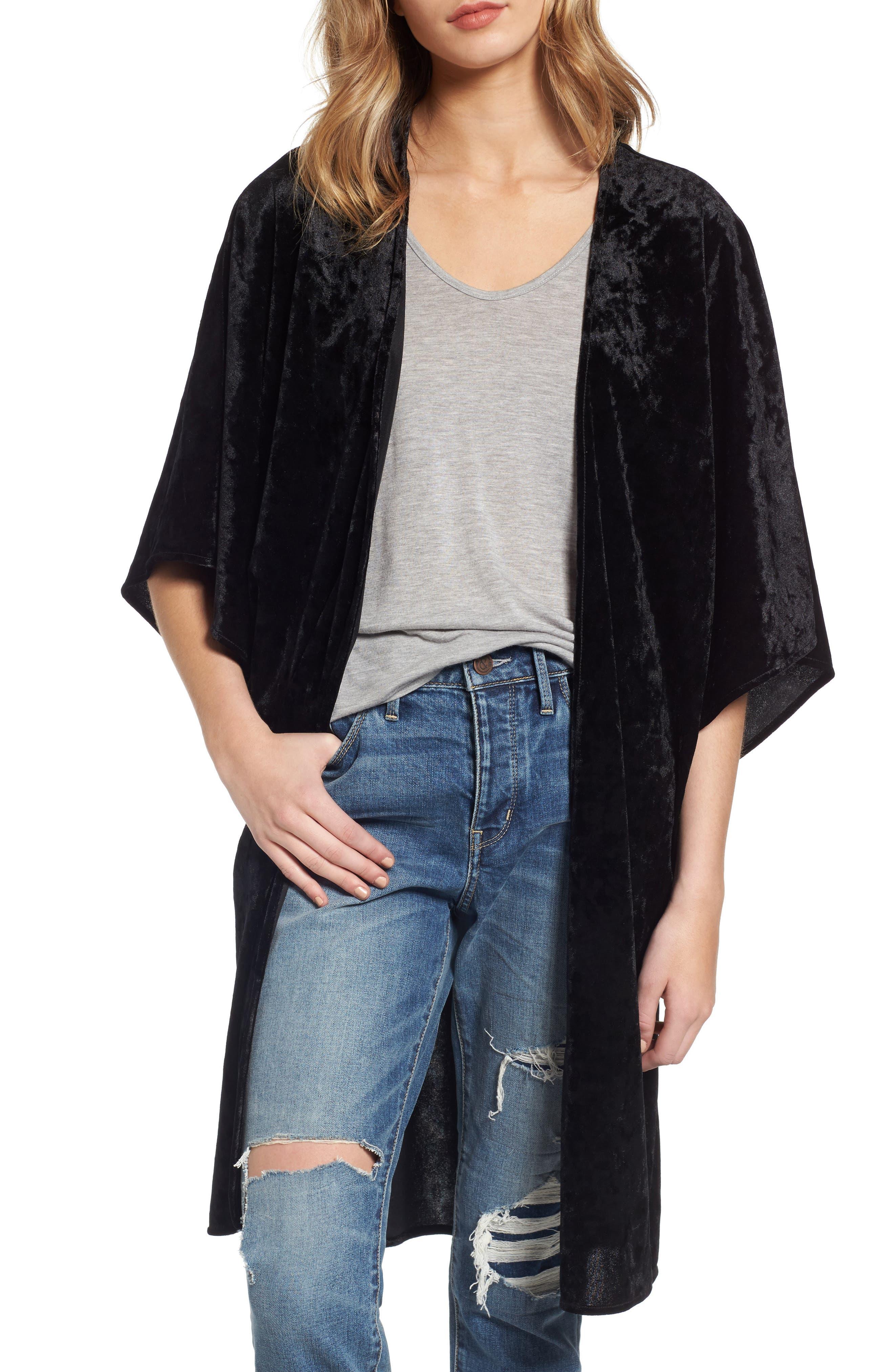 HINGE Velvet Kimono