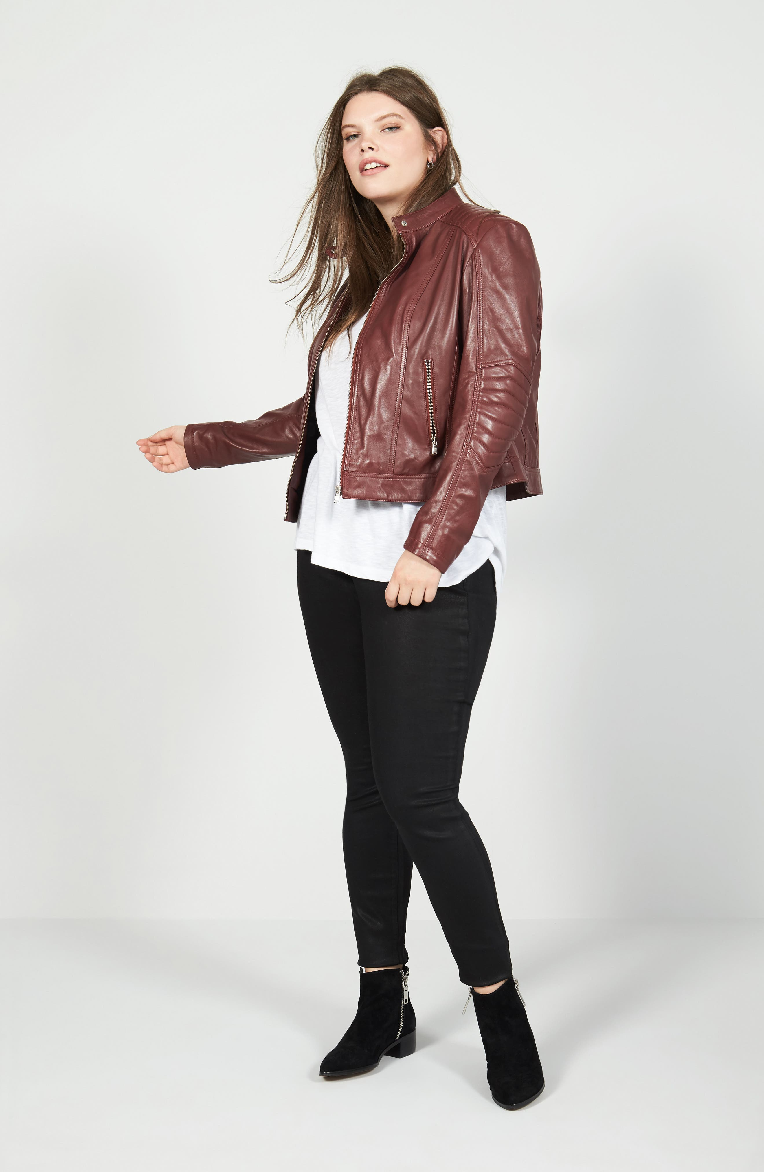 Caslon® Tee, SLINK Jeans Jacket & Jeans Outfit with Accessories (Plus Size)