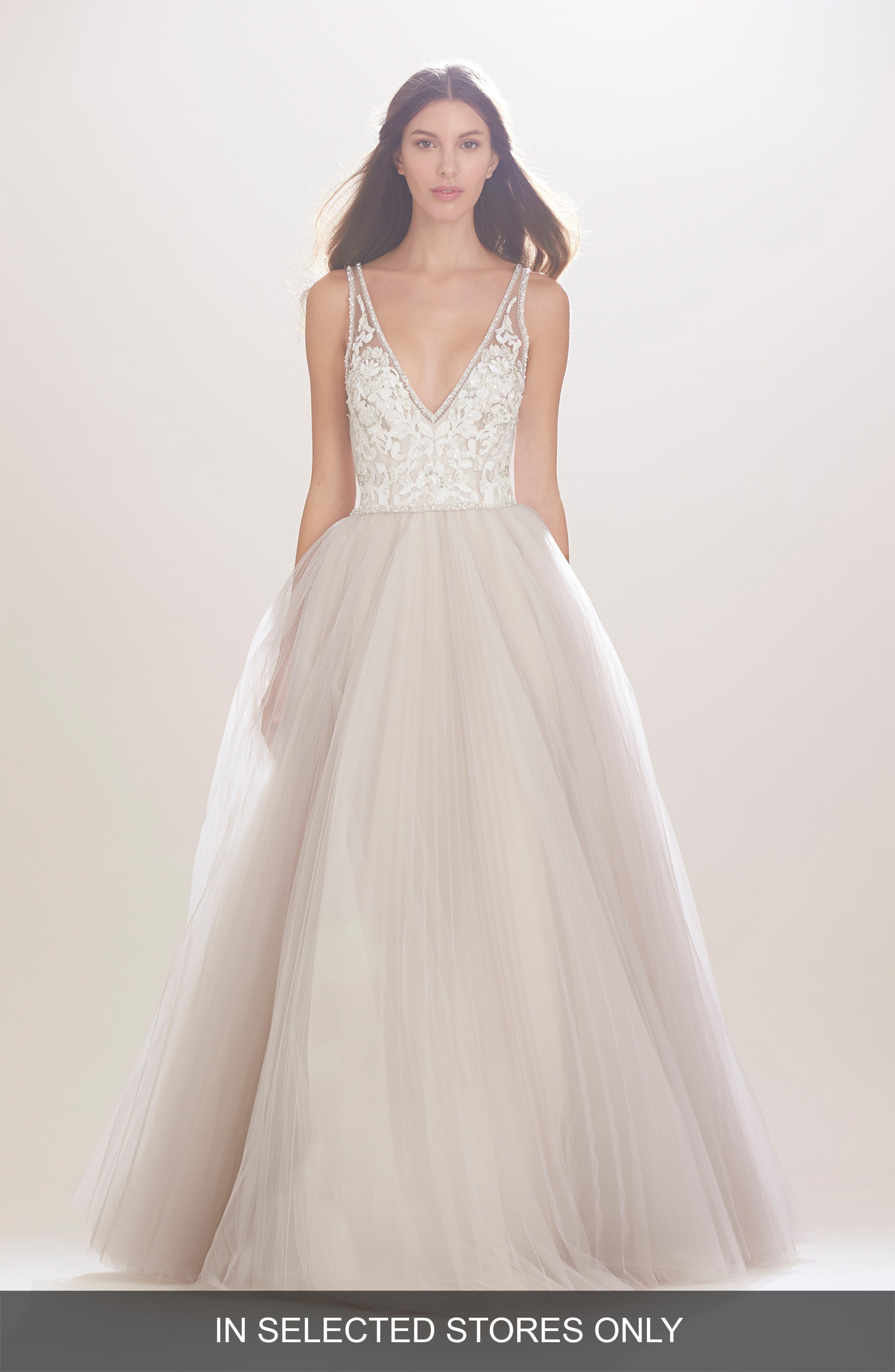 Main Image - Carolina Herrera Mercedes V-Neck Lace & Tulle Gown