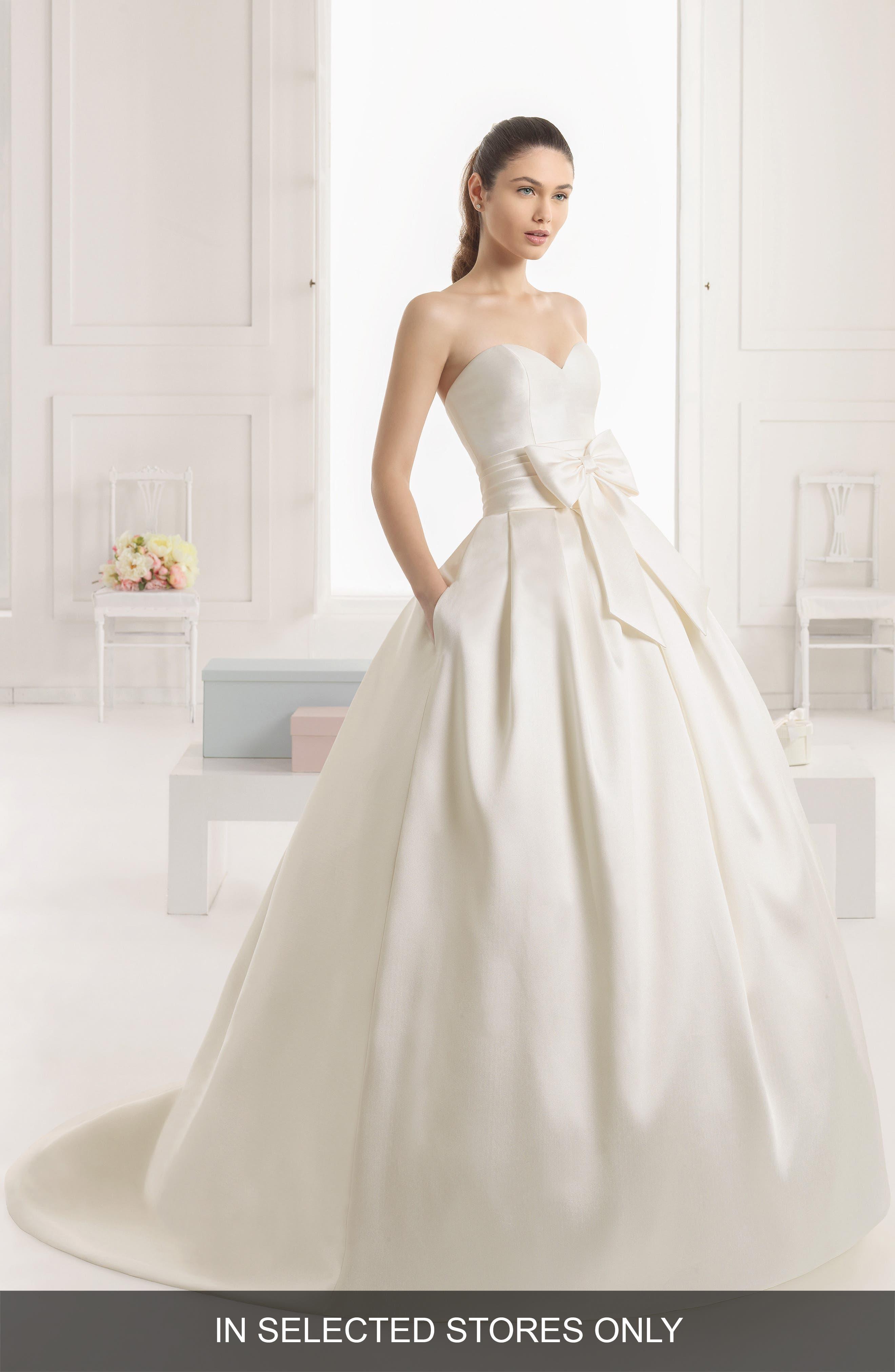Main Image - Rosa Clara Enebro Strapless Bow Ballgown Dress