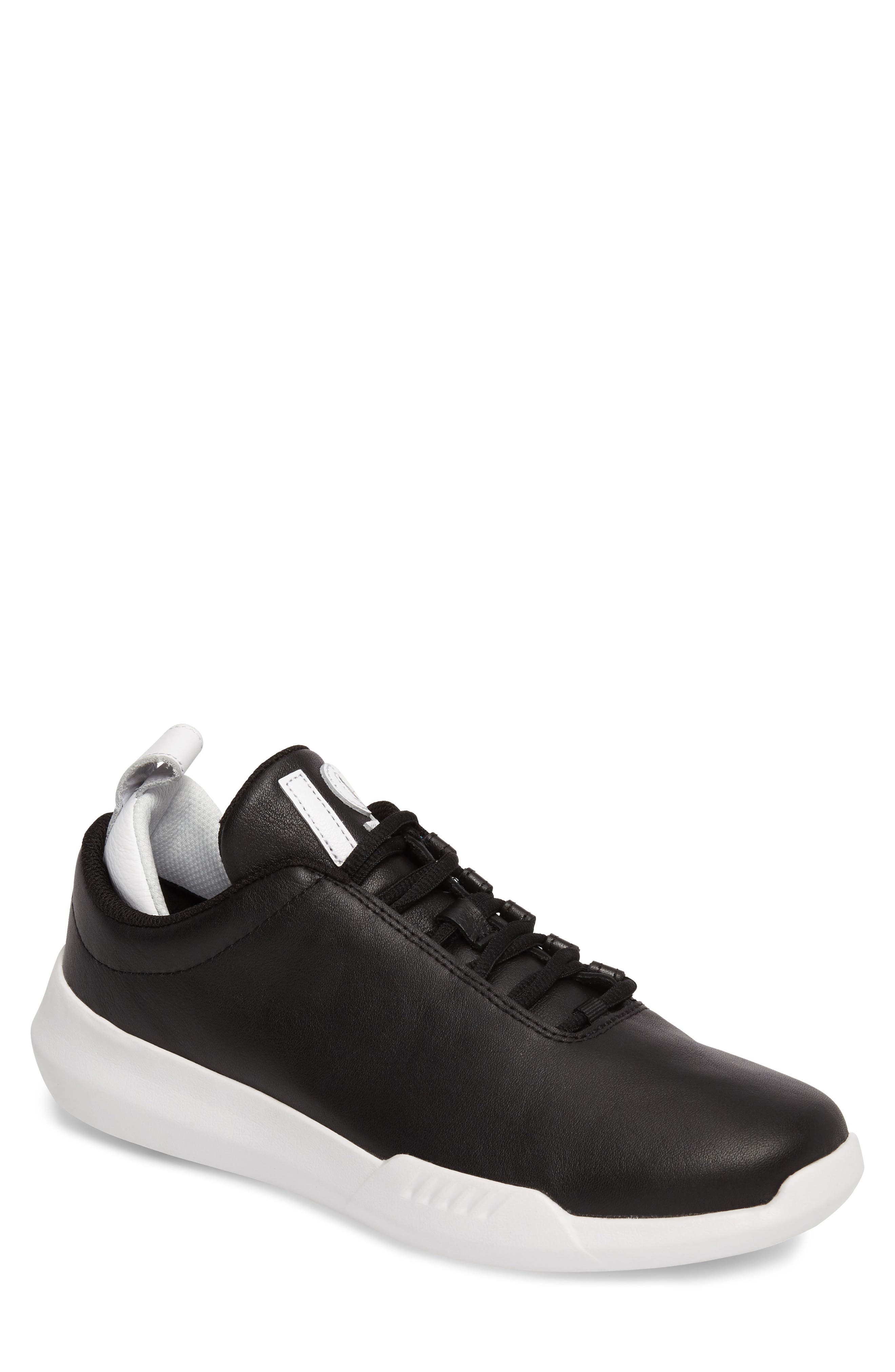 K-Swiss Gen-K Icon Sneaker (Men)