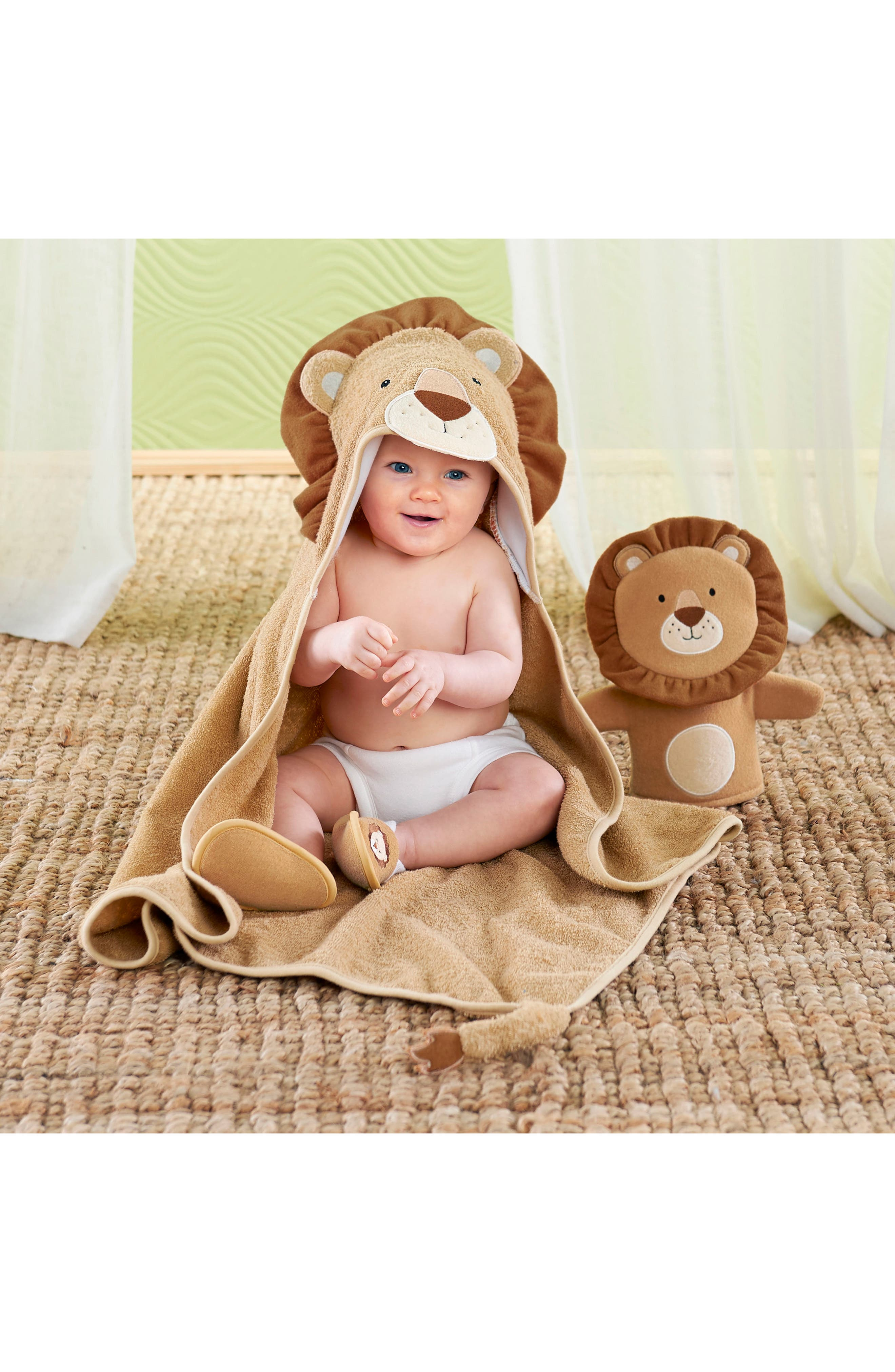 Alternate Image 3  - Baby Aspen Lion Hooded Robe, Bath Mitt & Slippers Set (Baby)