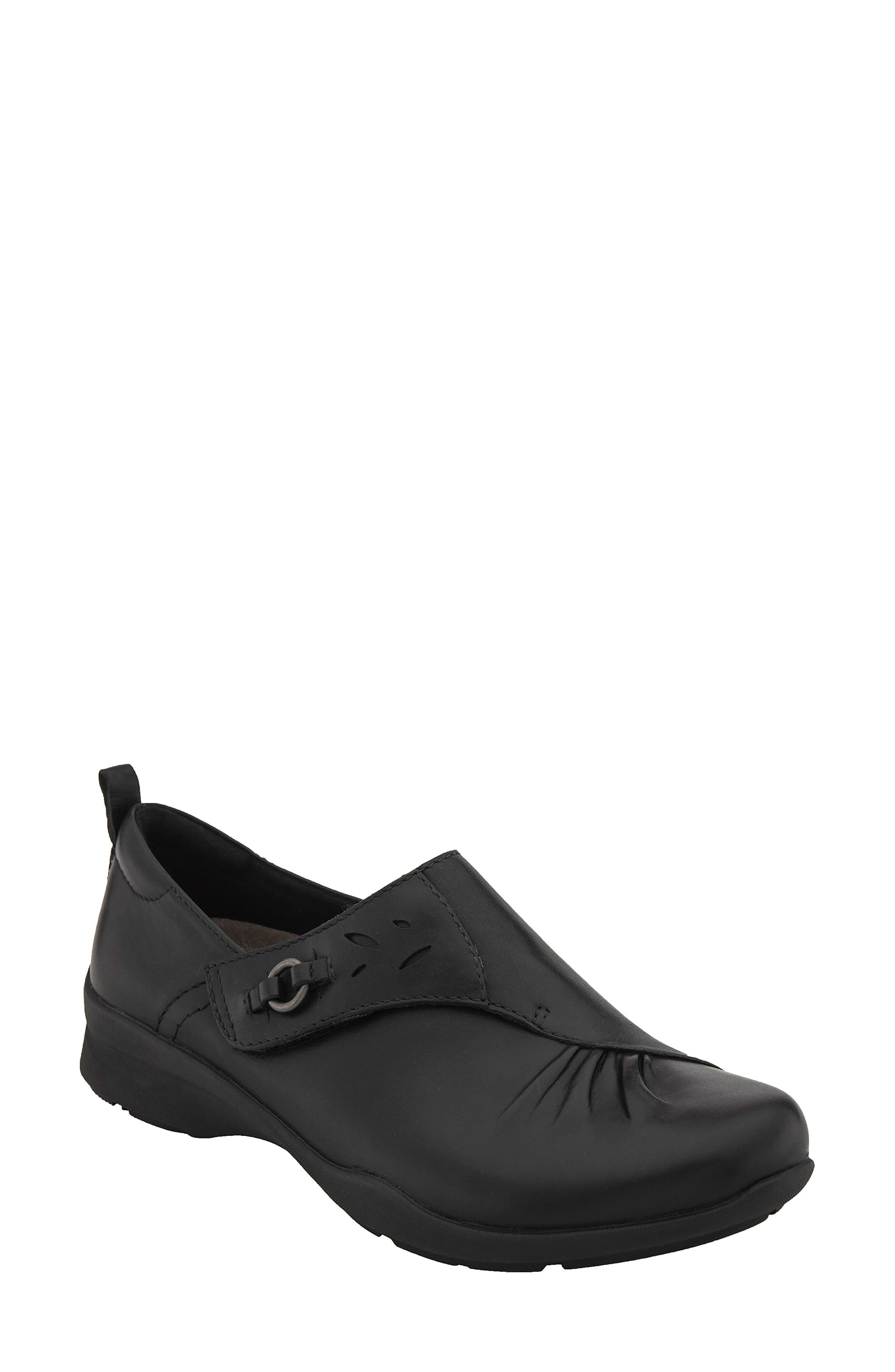 Alternate Image 1 Selected - Earth® Amity Loafer (Women)