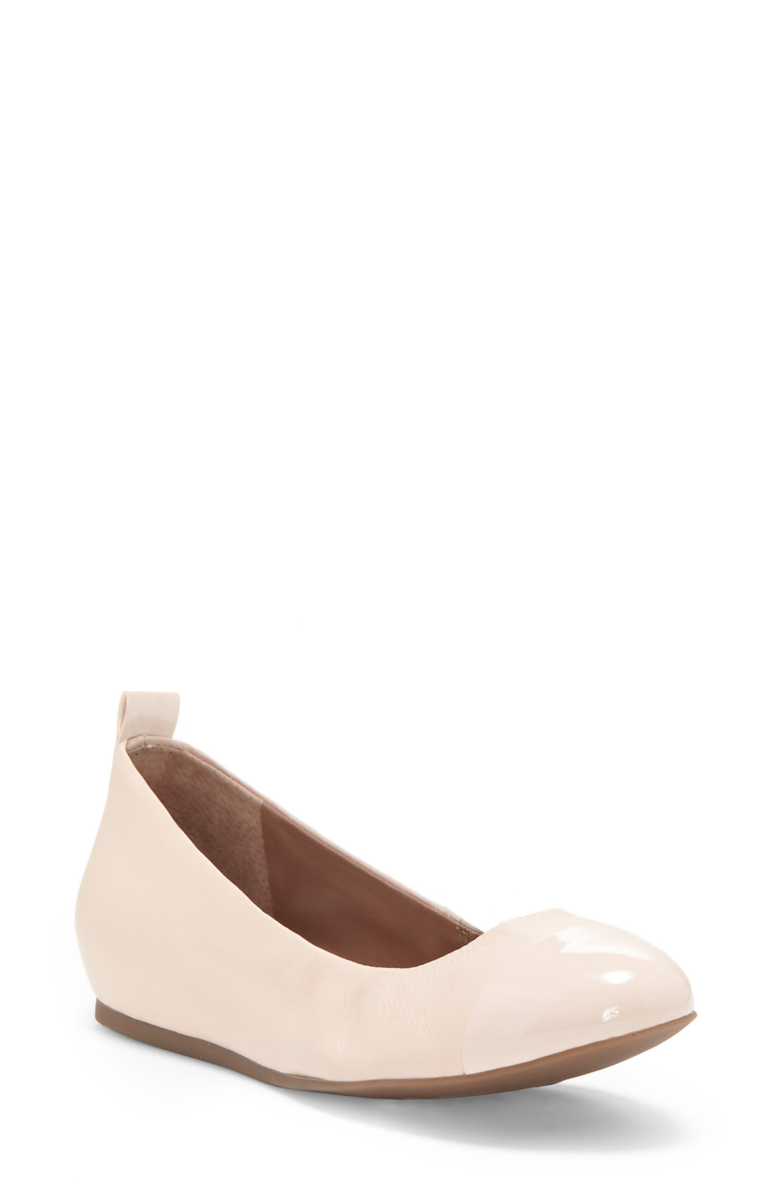 ED Ellen DeGeneres Lilliane Cap Toe Ballet Flat (Women)