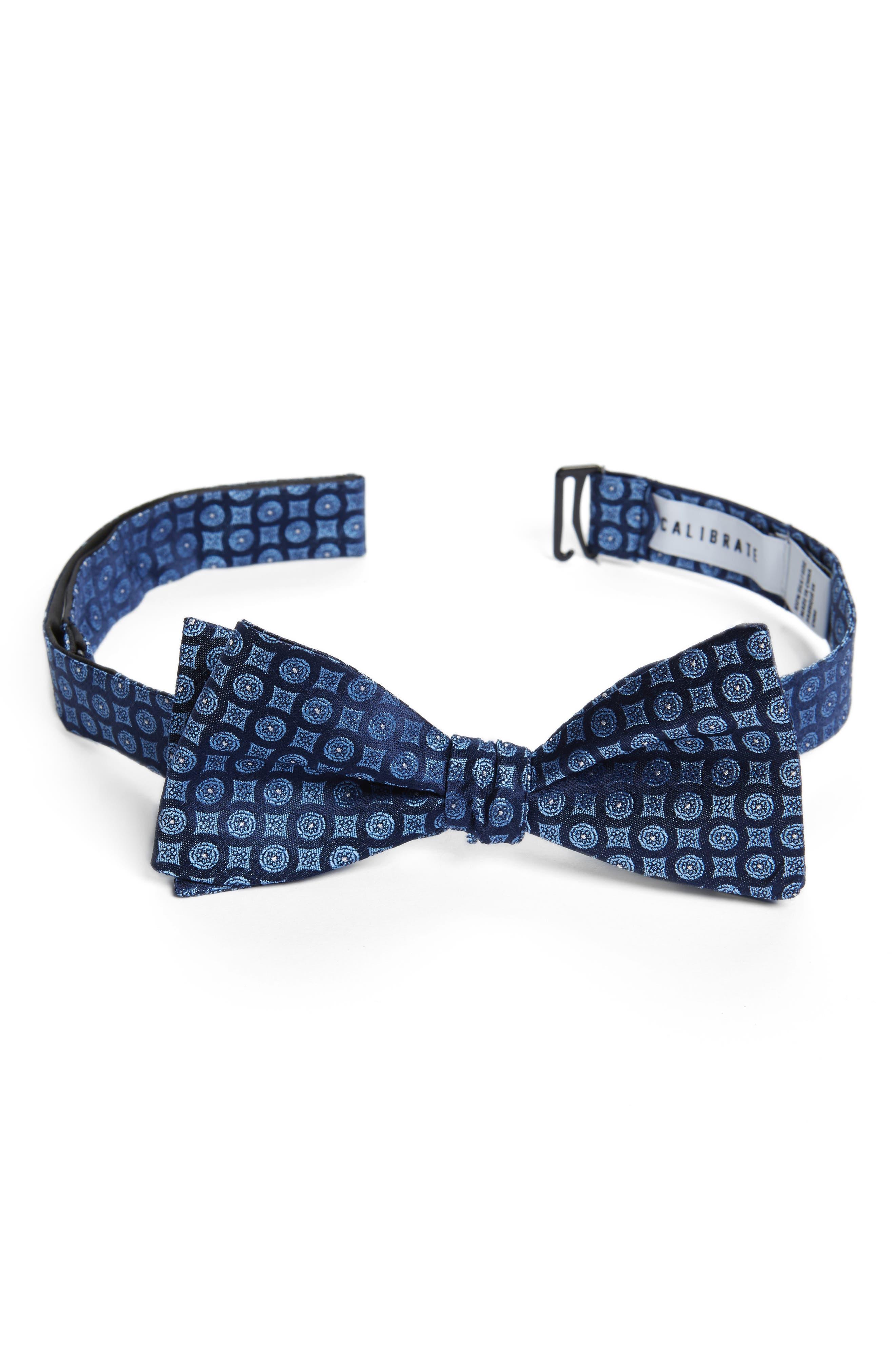 Medallion Silk Bow Tie,                         Main,                         color, Navy