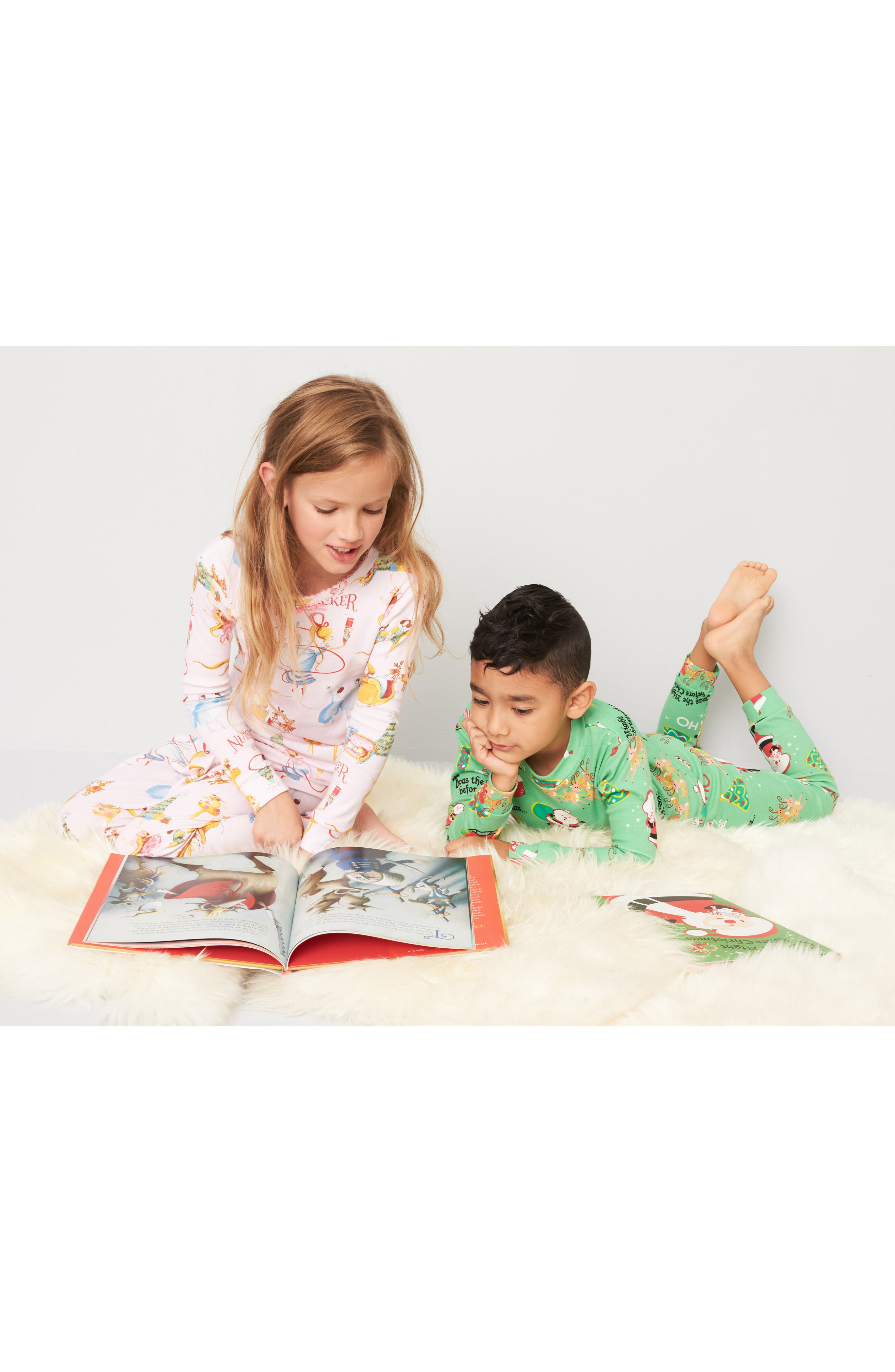 Alternate Image 2  - Books to Bed Twas the Night Before Christmas Fitted Two-Piece Pajamas & Book Set (Toddler Boys, Little Boys & Big Boys)