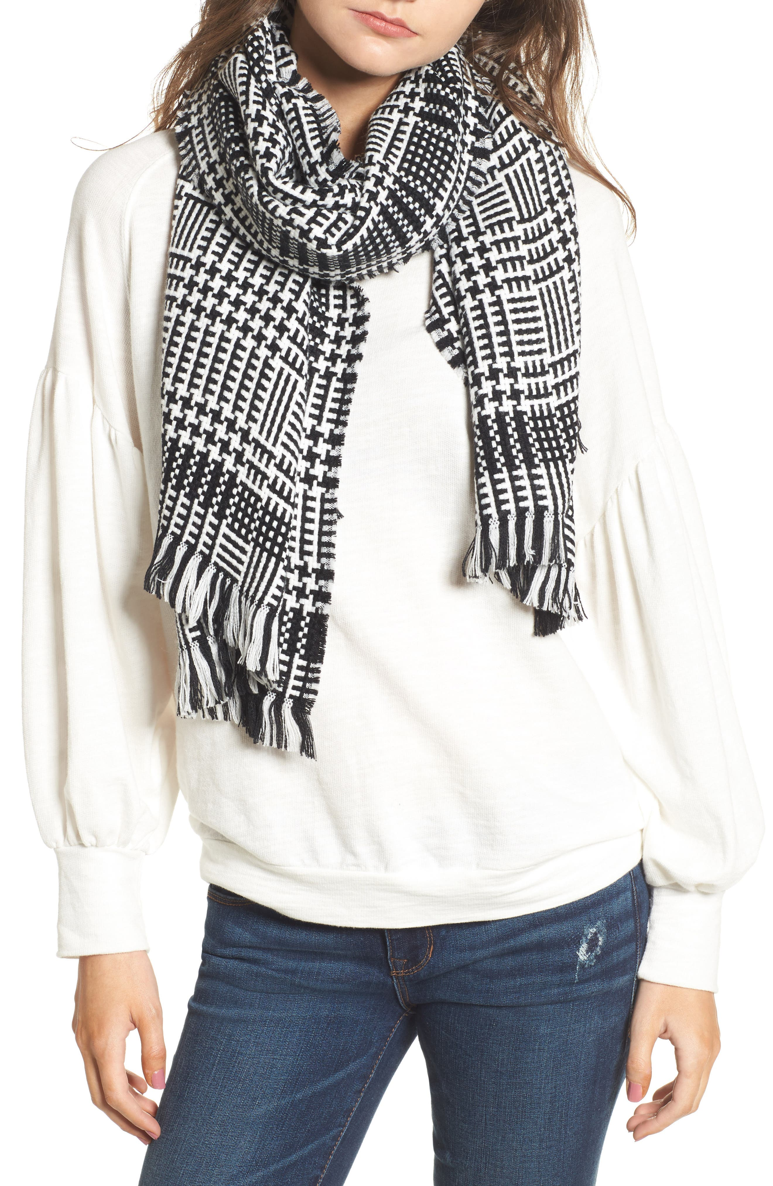 La Double 7 Houndstooth Oblong Scarf