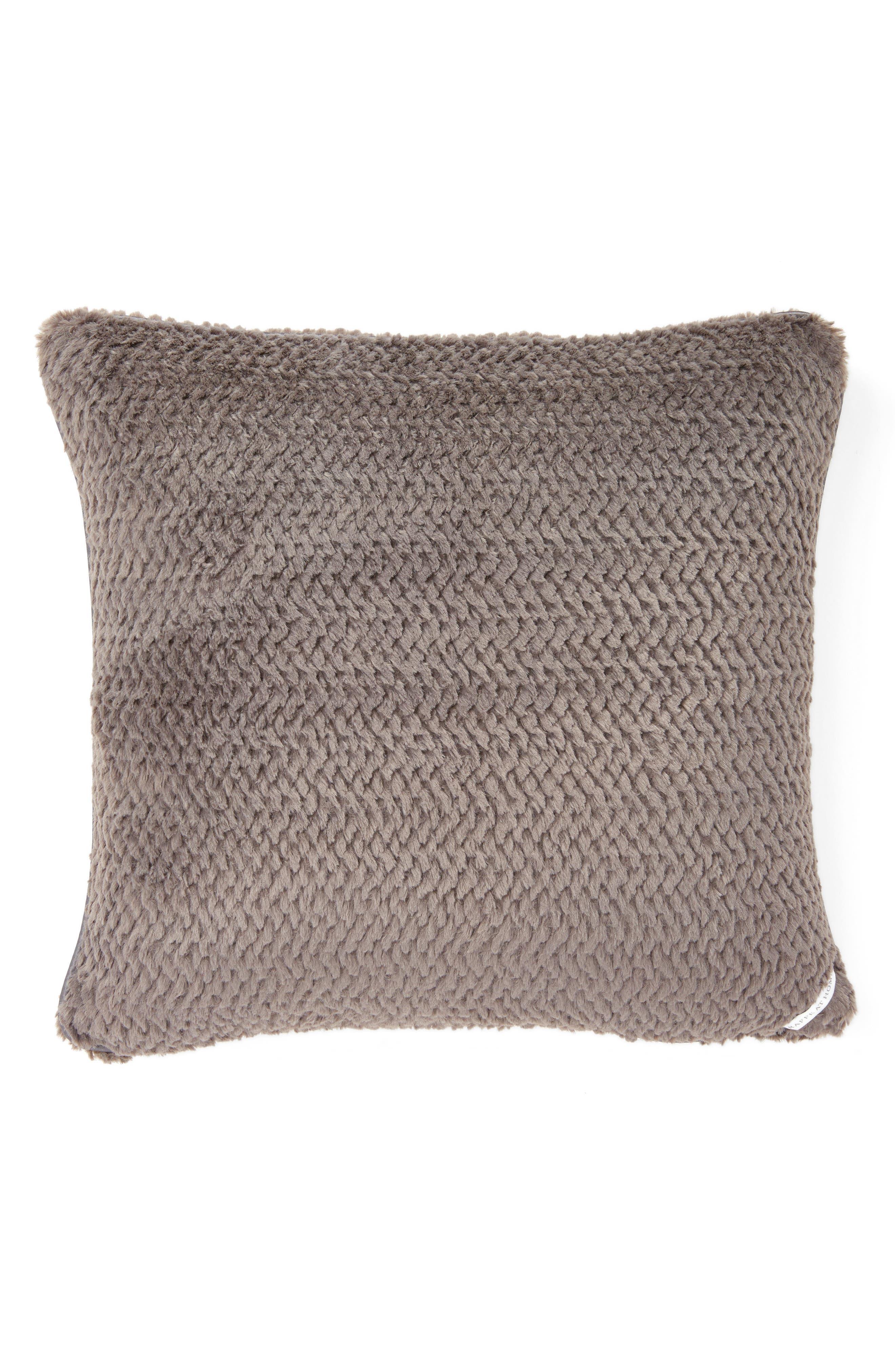Main Image - Giraffe at Home Luxe™ Twist Pillow