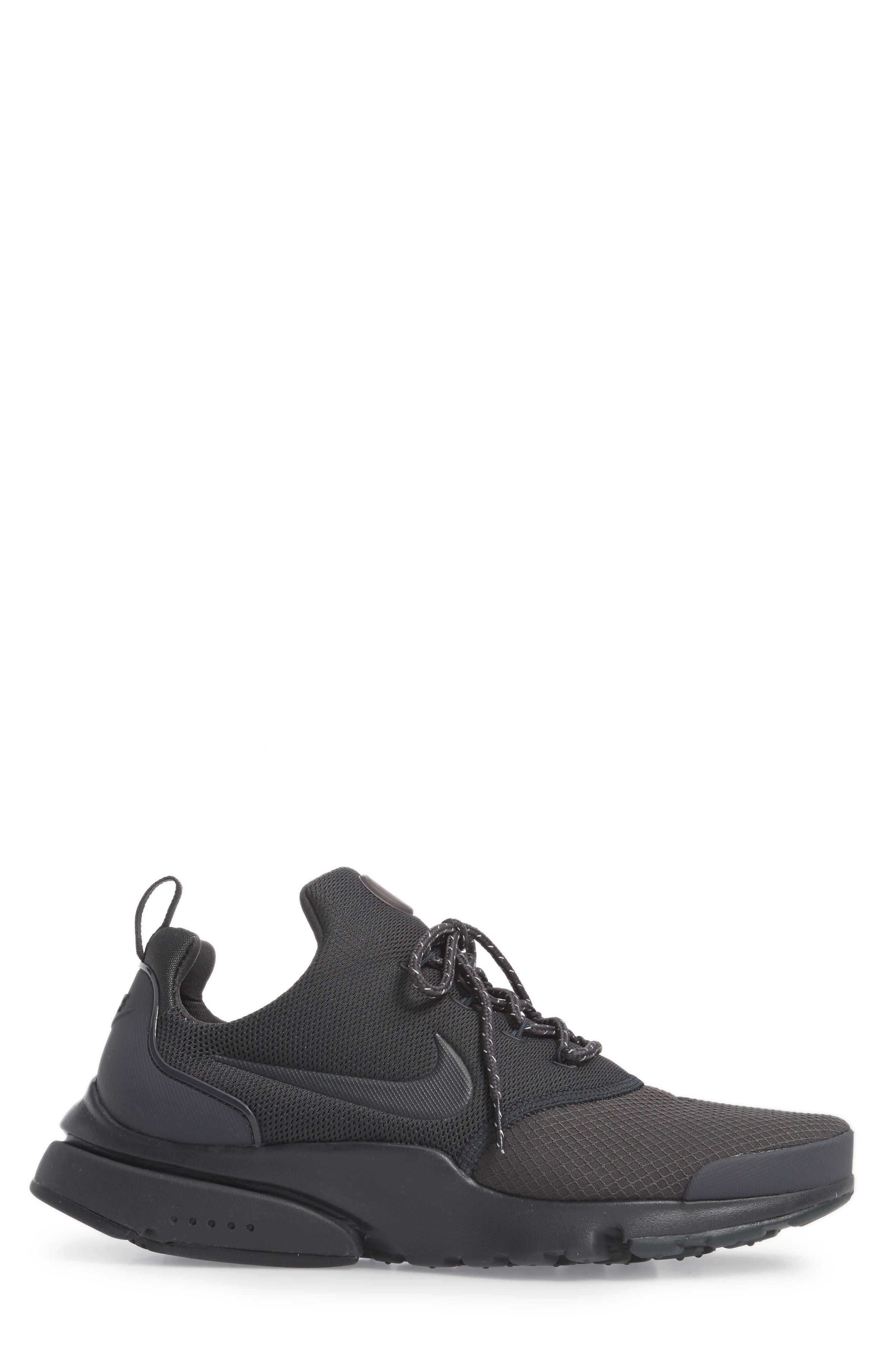 Alternate Image 3  - Nike Presto Fly SE Sneaker (Men)