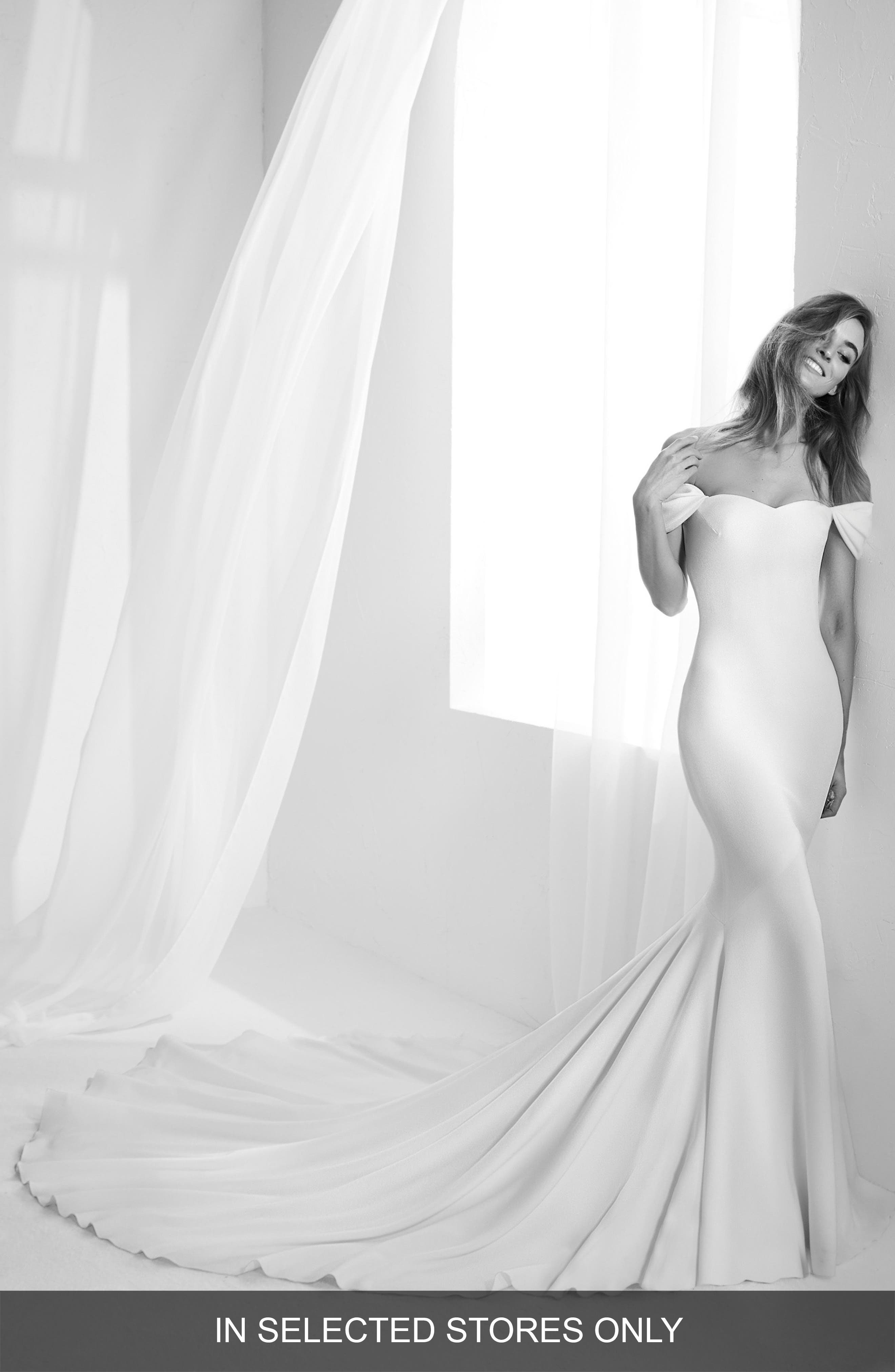 Alternate Image 1 Selected - Atelier Pronovias Raciela Sweetheart Mermaid Gown