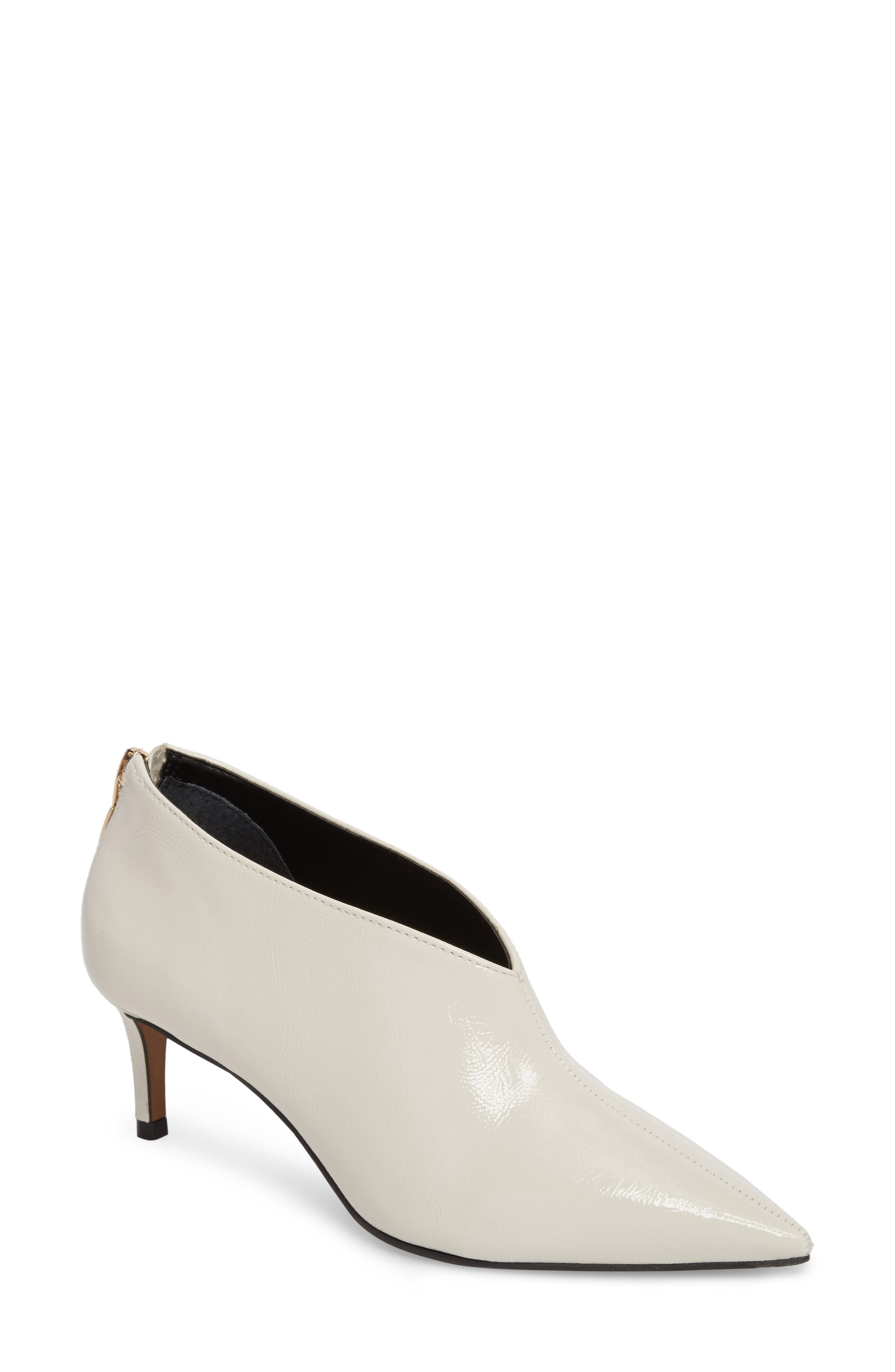 Alternate Image 1 Selected - Topshop Jamelia Vamp Bootie (Women)