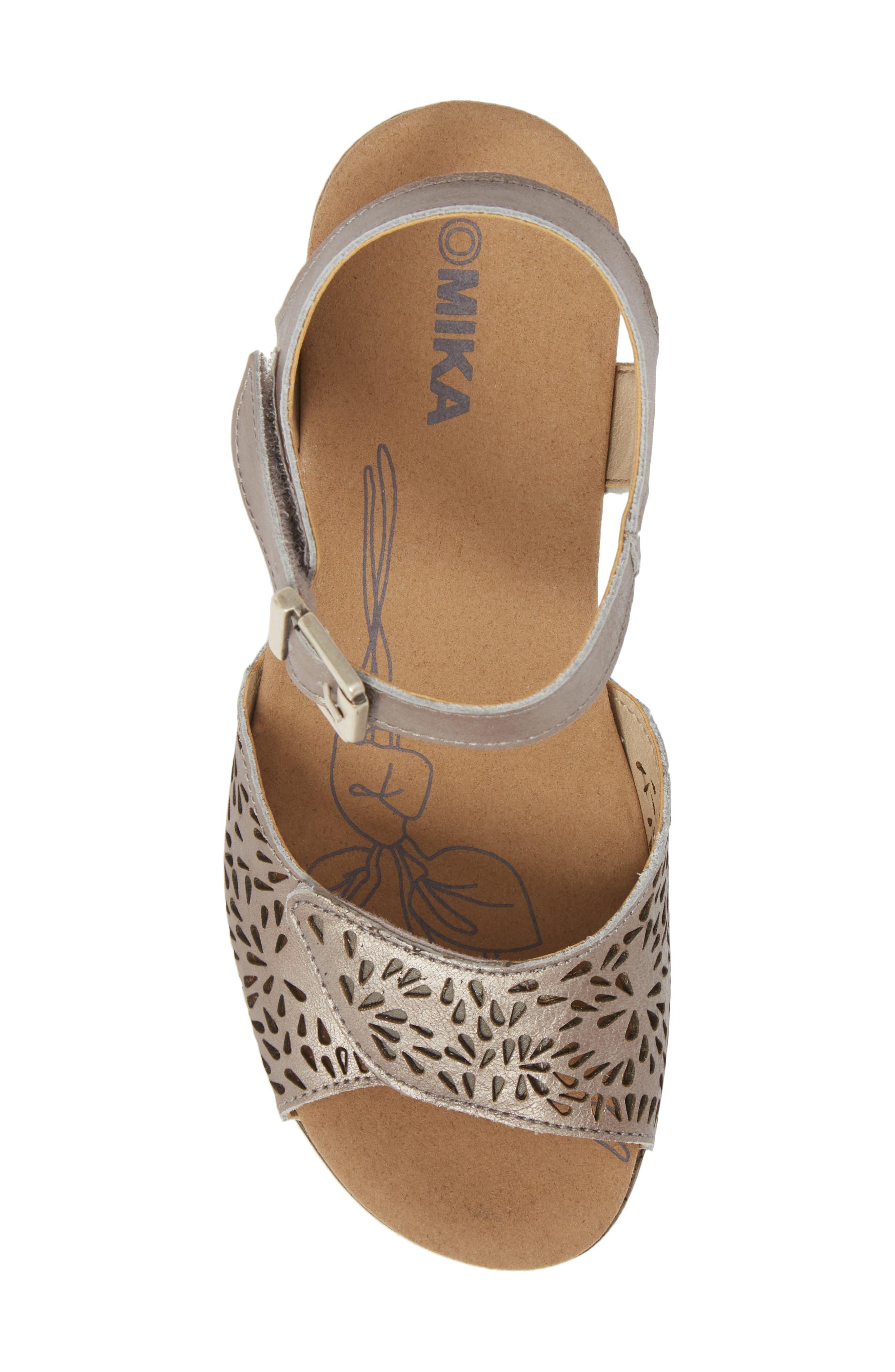 Nevis 05 Sandal,                             Alternate thumbnail 5, color,                             Platinum Leather
