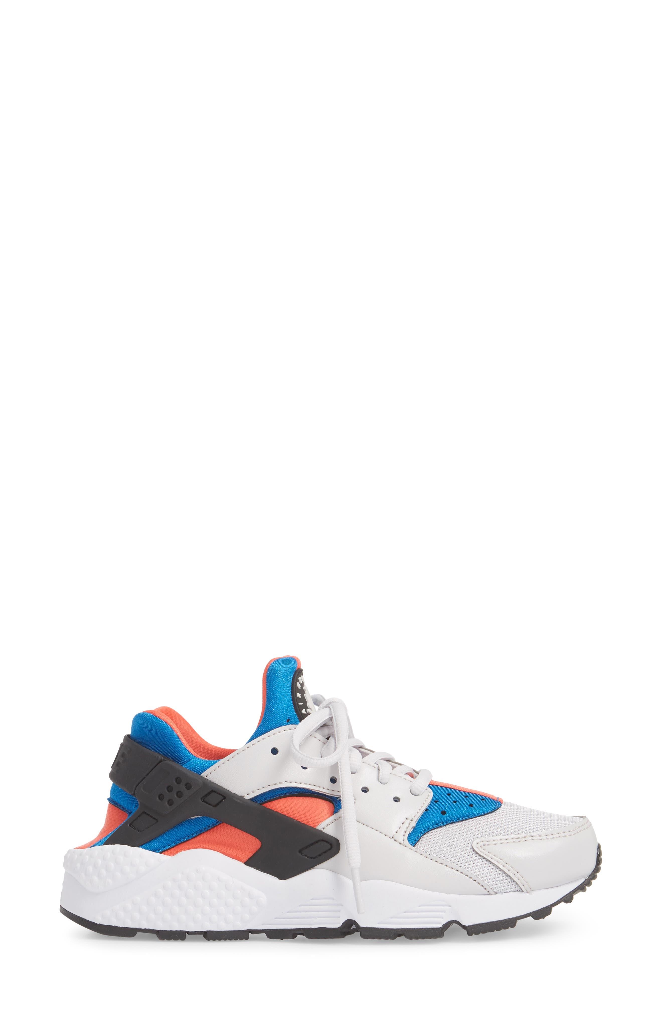 Air Huarache Run Sneaker,                             Alternate thumbnail 3, color,                             Grey/ Black/ Coral/ Nebula
