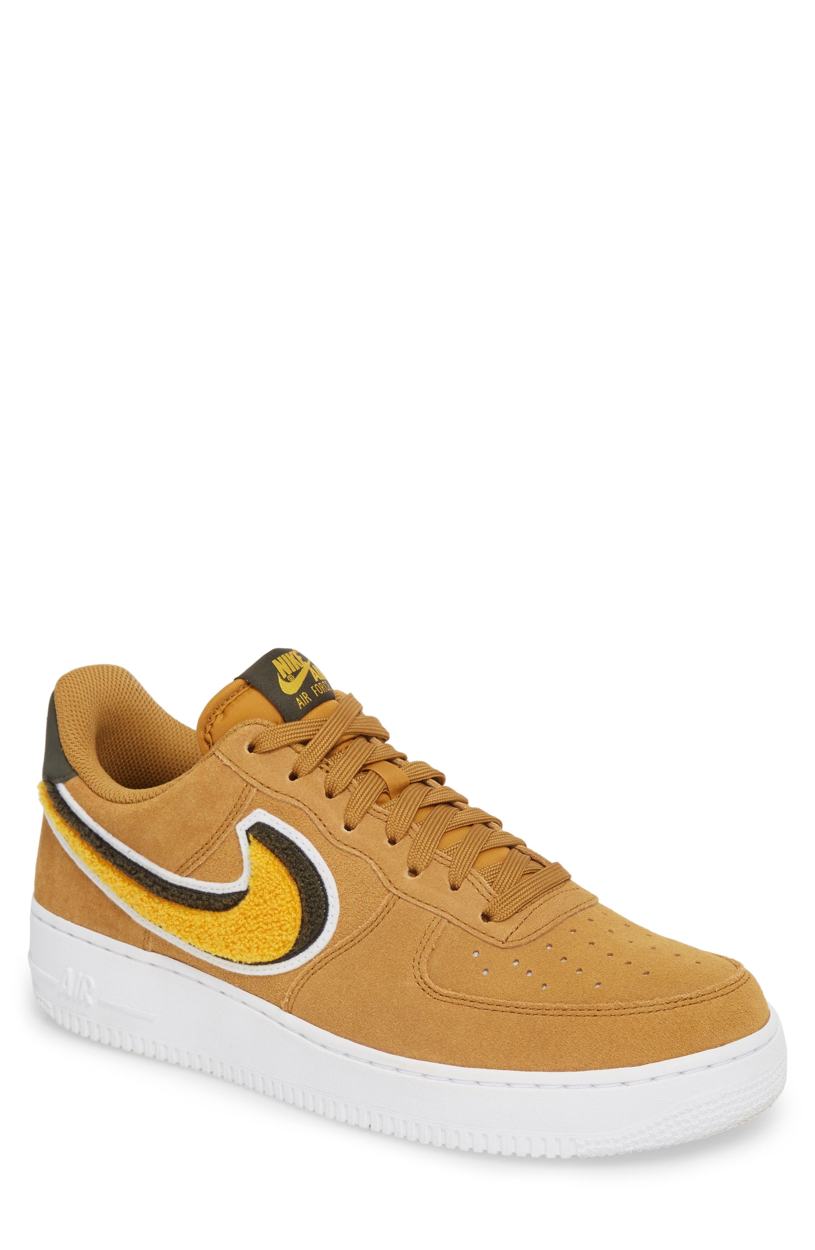 Nike Air Force 1 \u002707 LV8 Sneaker (Men)