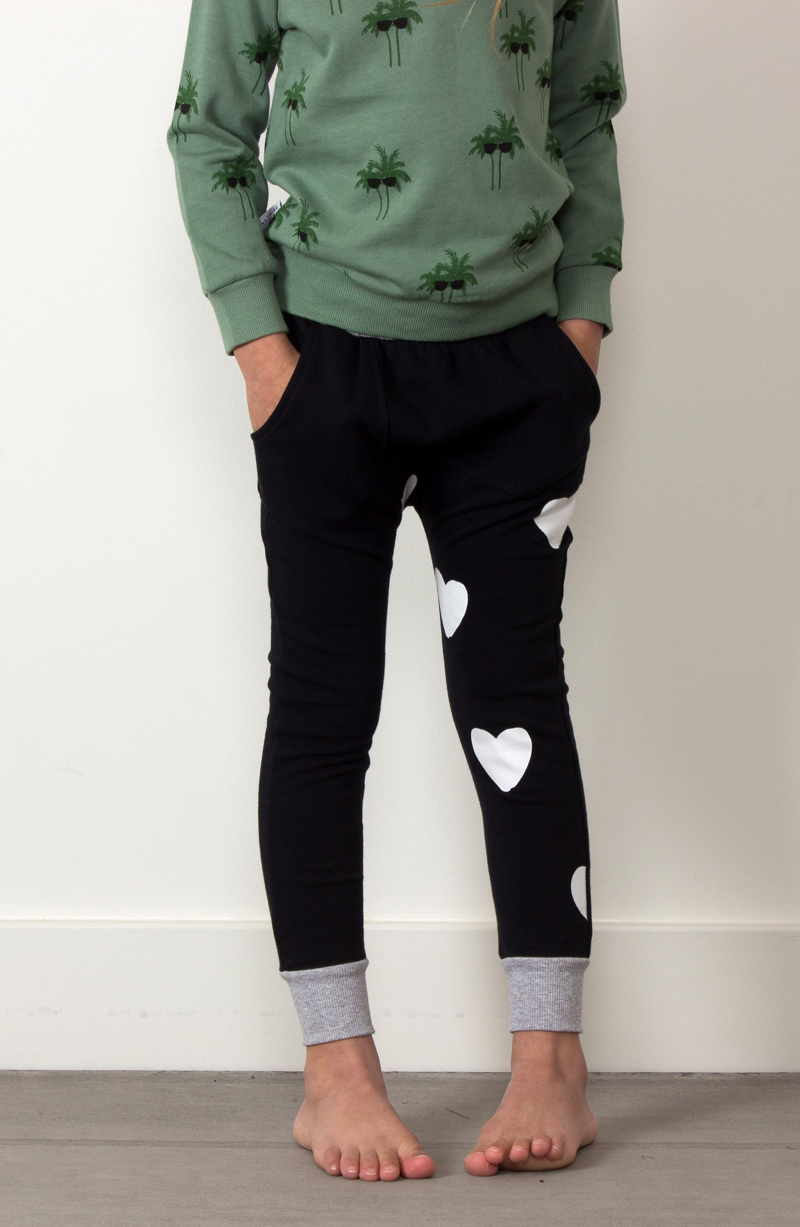 Heart Print Sweatpants,                             Alternate thumbnail 3, color,                             Black