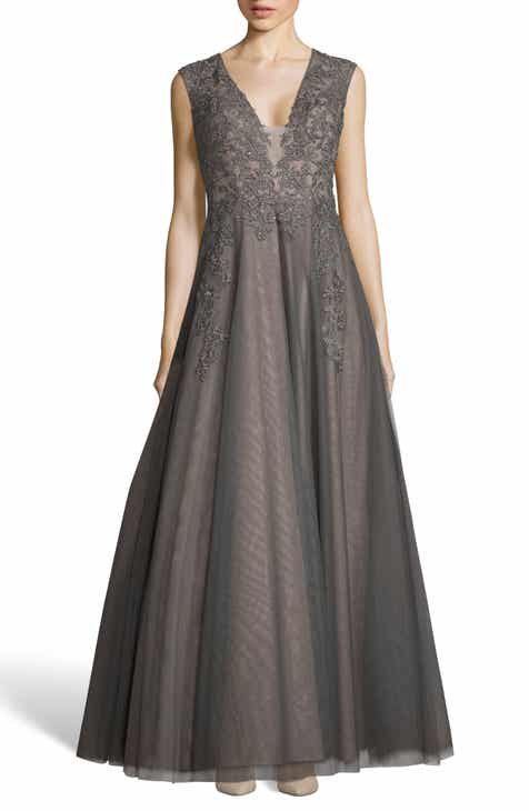 3be7fadca3 Xscape Appliqué Mesh Evening Dress