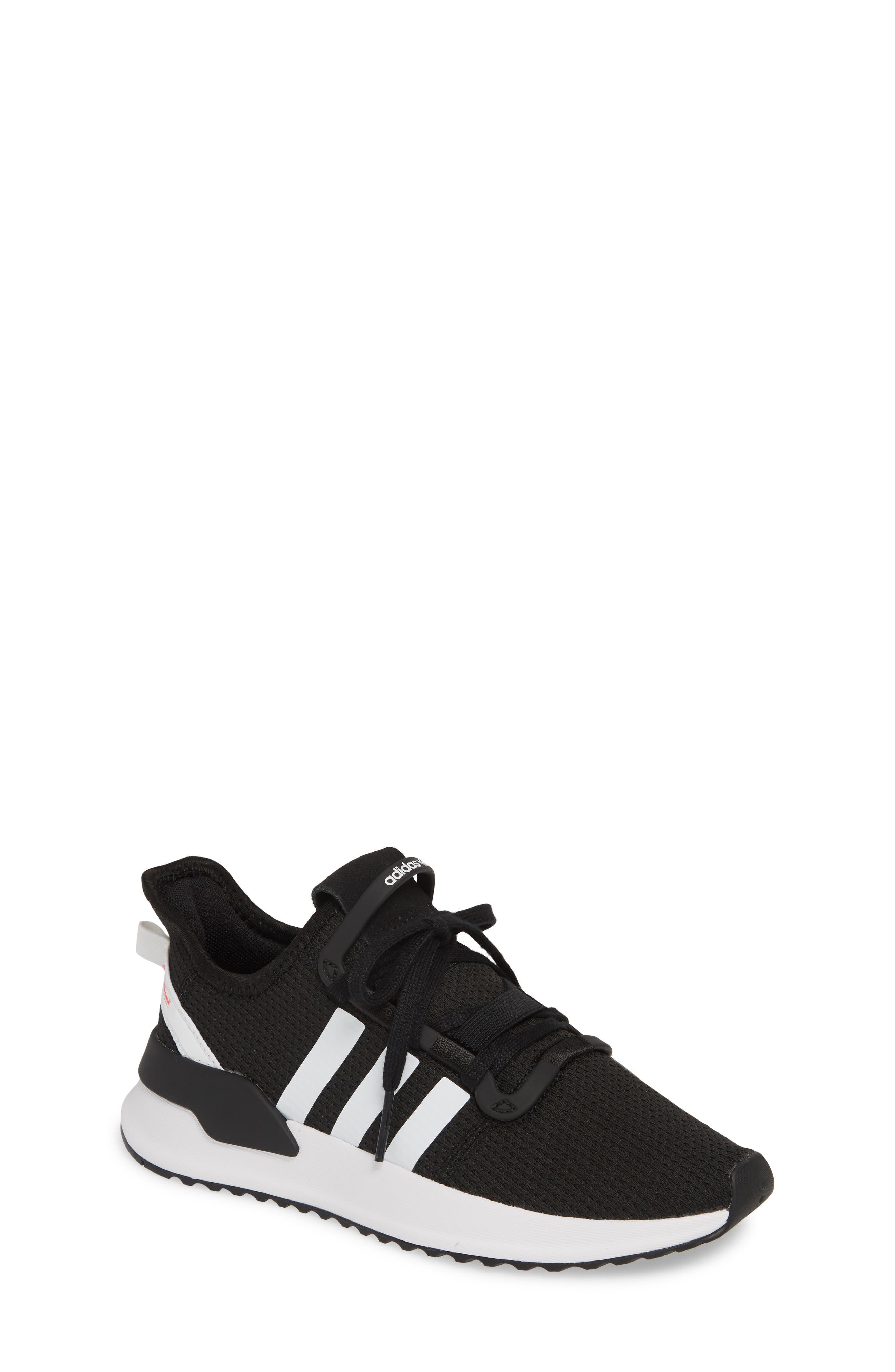 11c911e8b3e78 Big Girls  Adidas Shoes (Sizes 3.5-7)