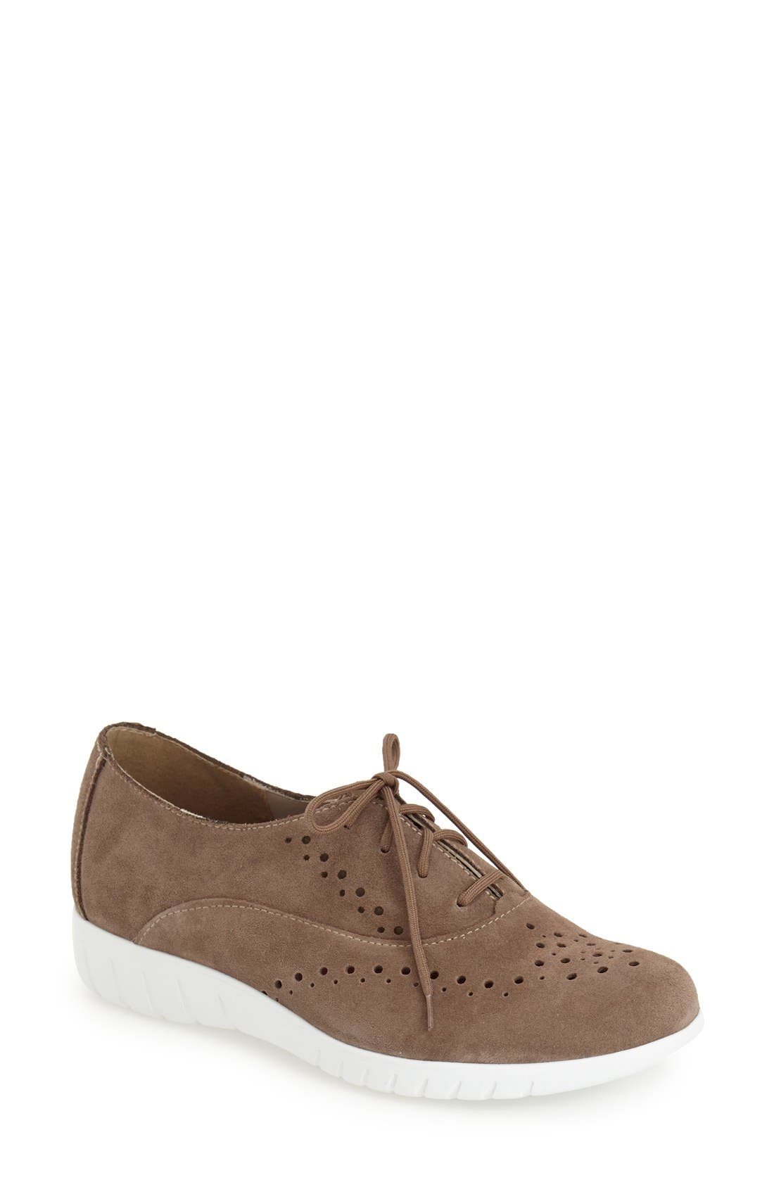 Munro 'Wellesley' Oxford Sneaker (Women)
