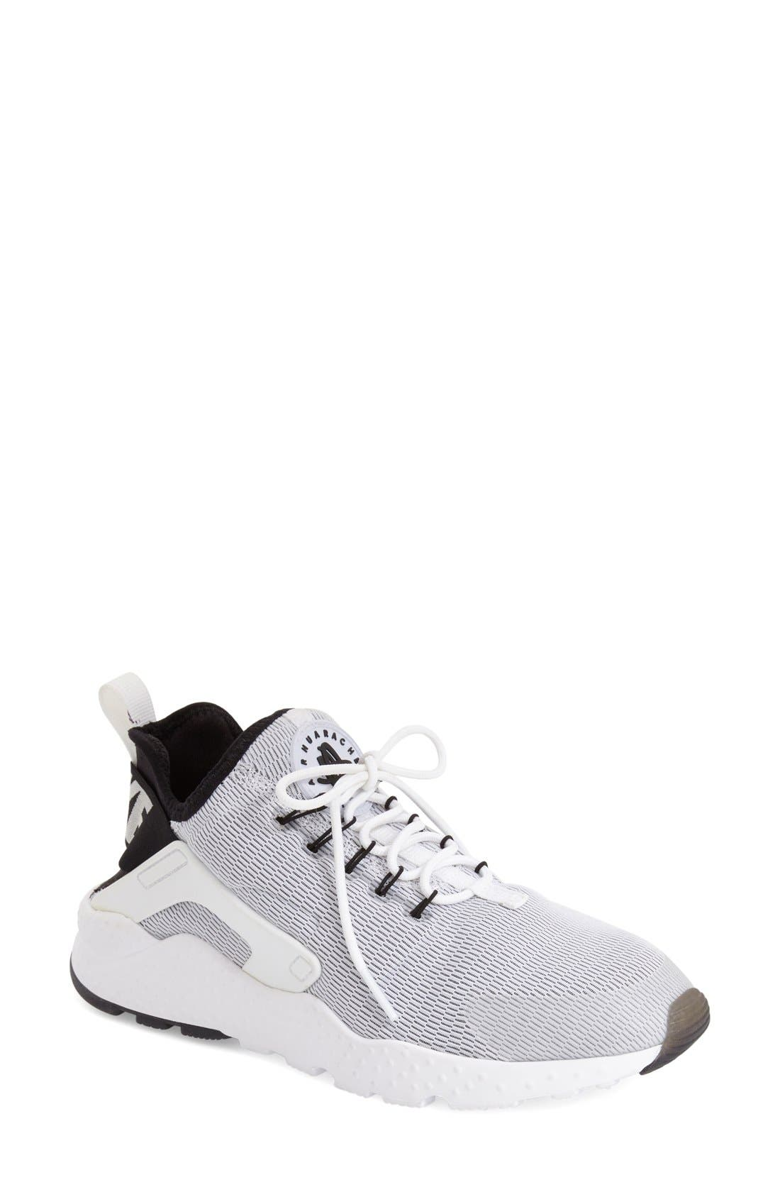 Main Image - Nike Air Huarache Sneaker (Women)