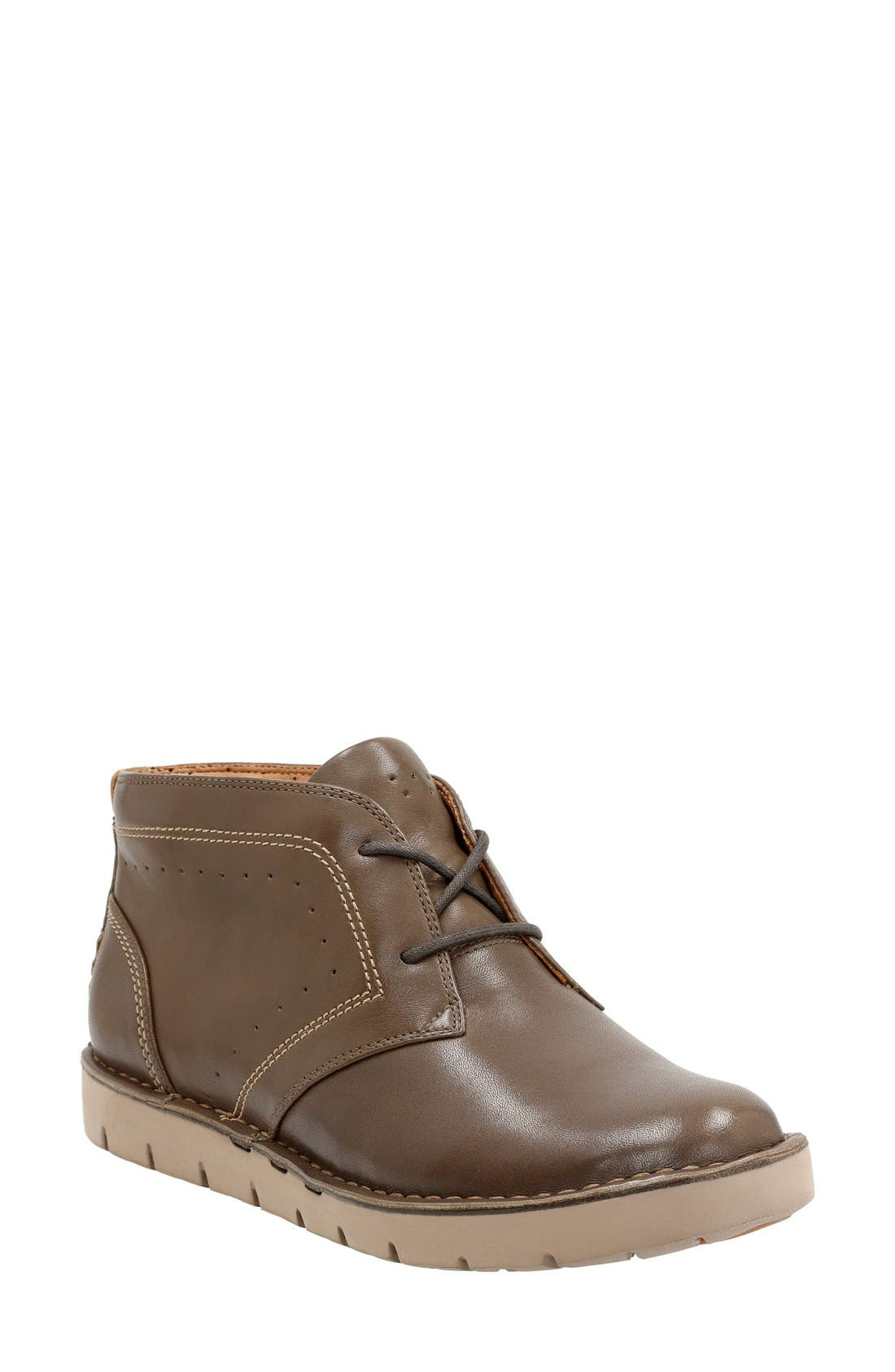 Clarks® 'Un Astin' Boot (Women)