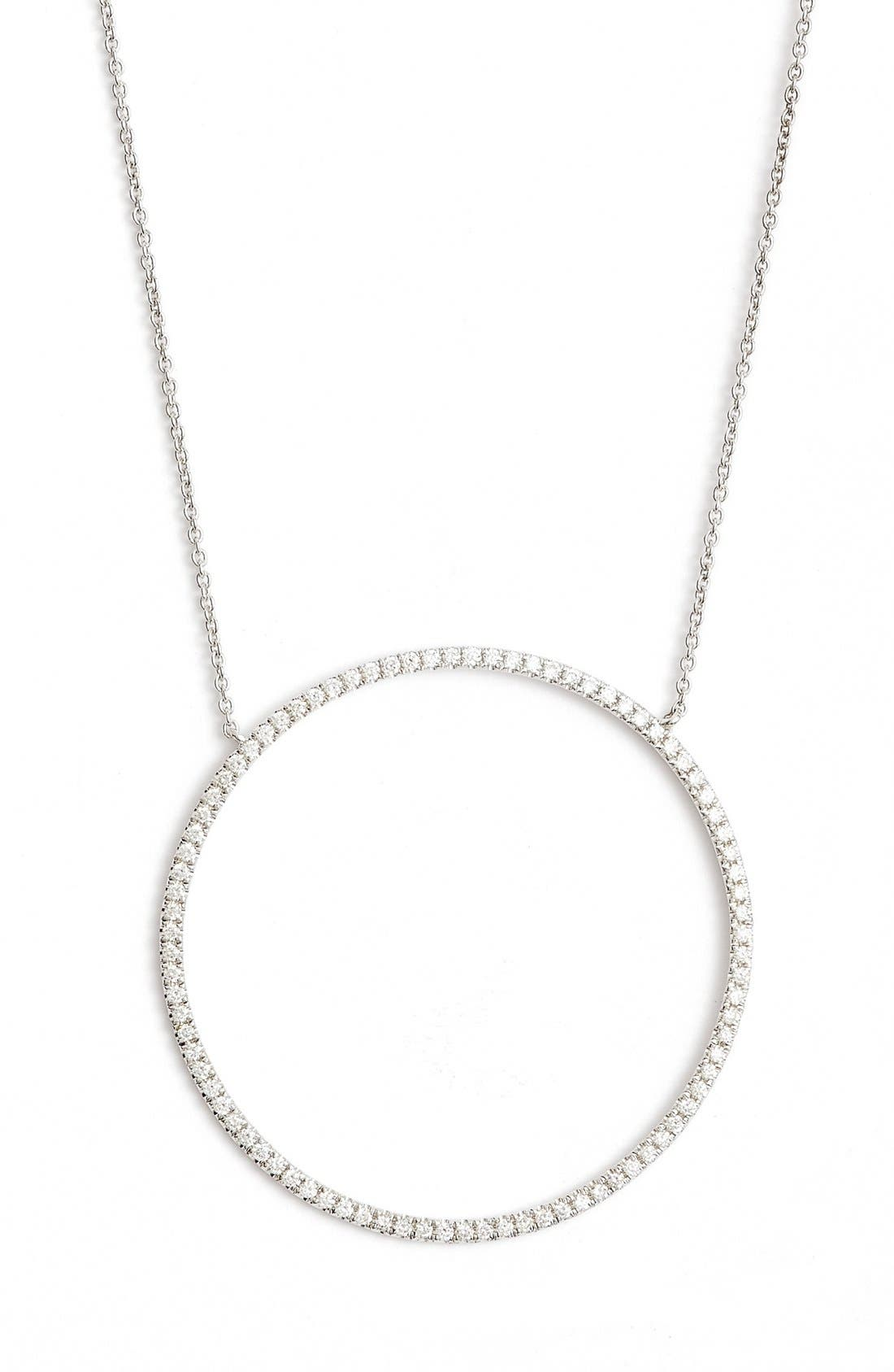 BONY LEVY Large Circle Pendant Necklace