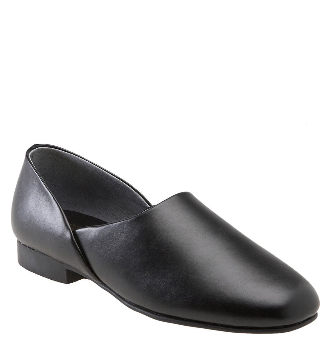 'Radio Tyme<sup>®</sup>' Slipper,                         Main,                         color, New Black
