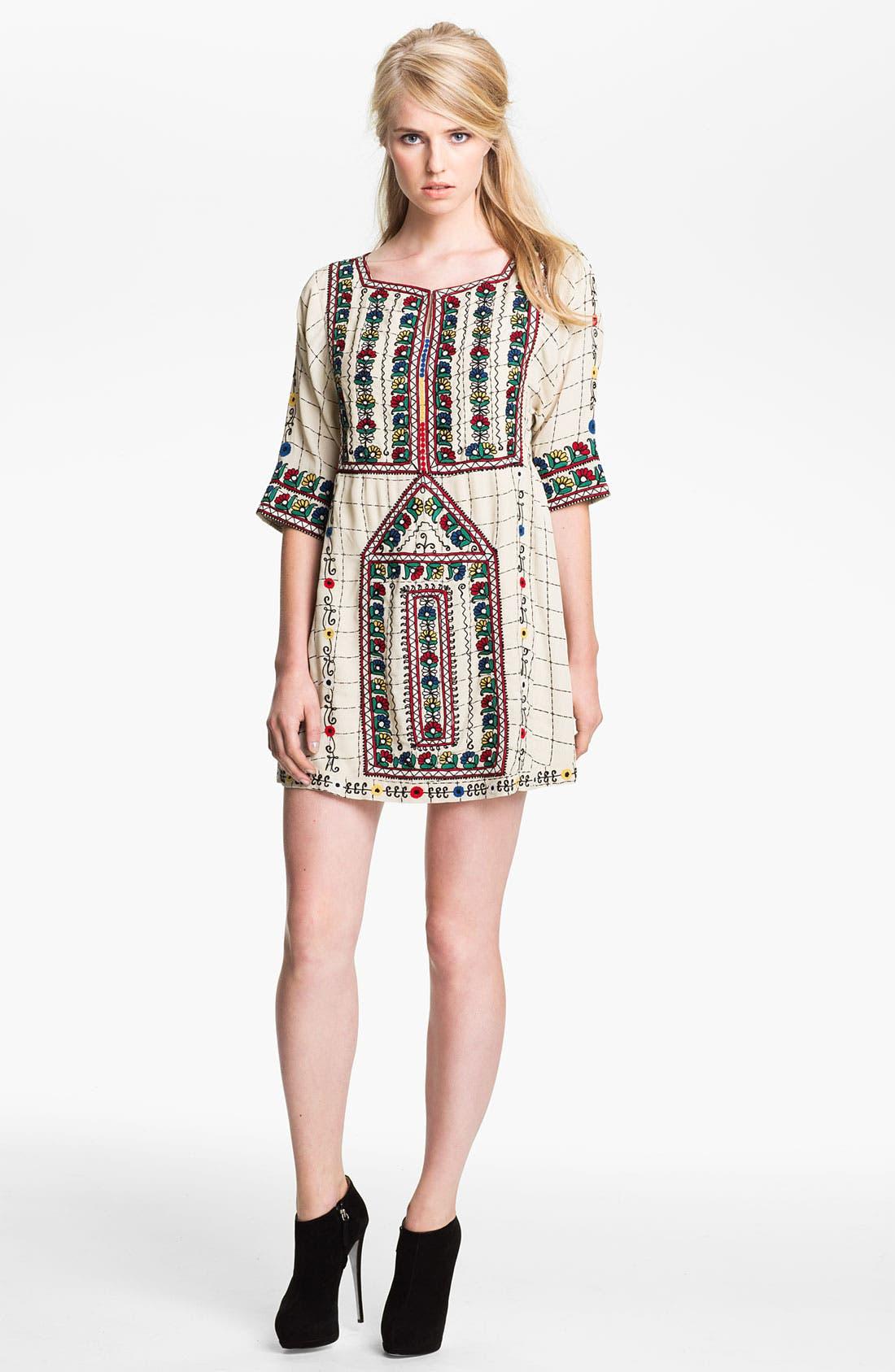 Main Image - Twenty8Twelve 'Gaskell' Embroidered Shift Dress