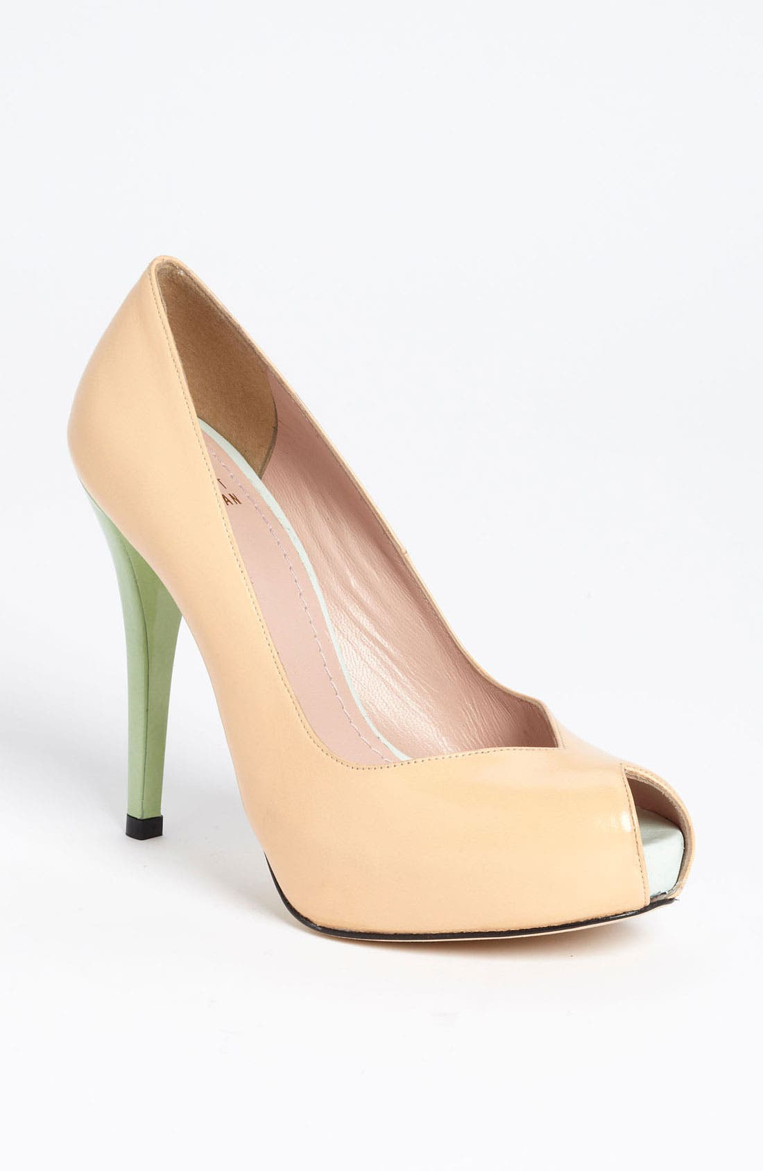 Alternate Image 1 Selected - Stuart Weitzman 'Vamp' Pump (Nordstrom Exclusive)