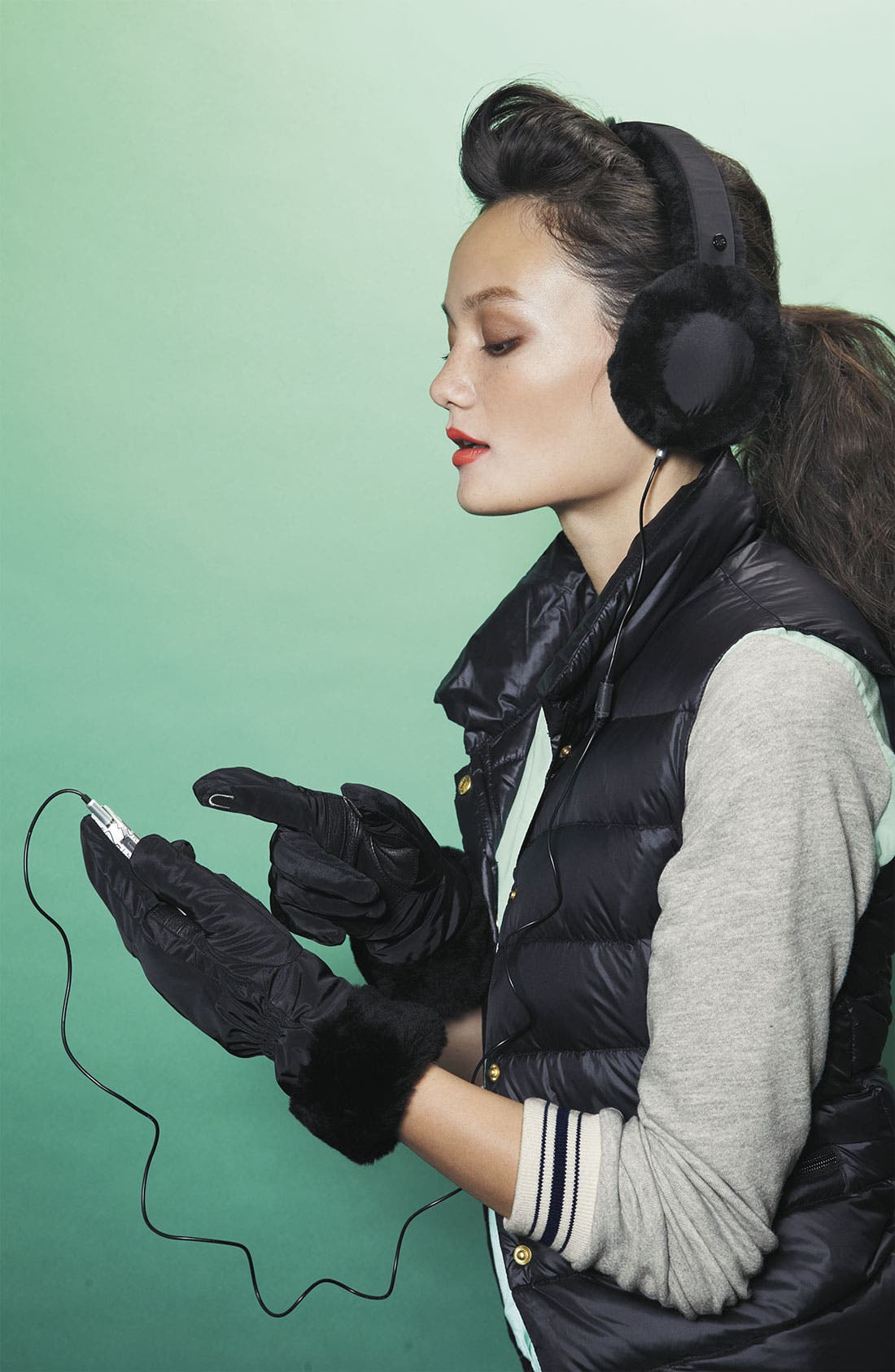 Alternate Image 2  - UGG® Australia 'Fontanne' Tech Gloves
