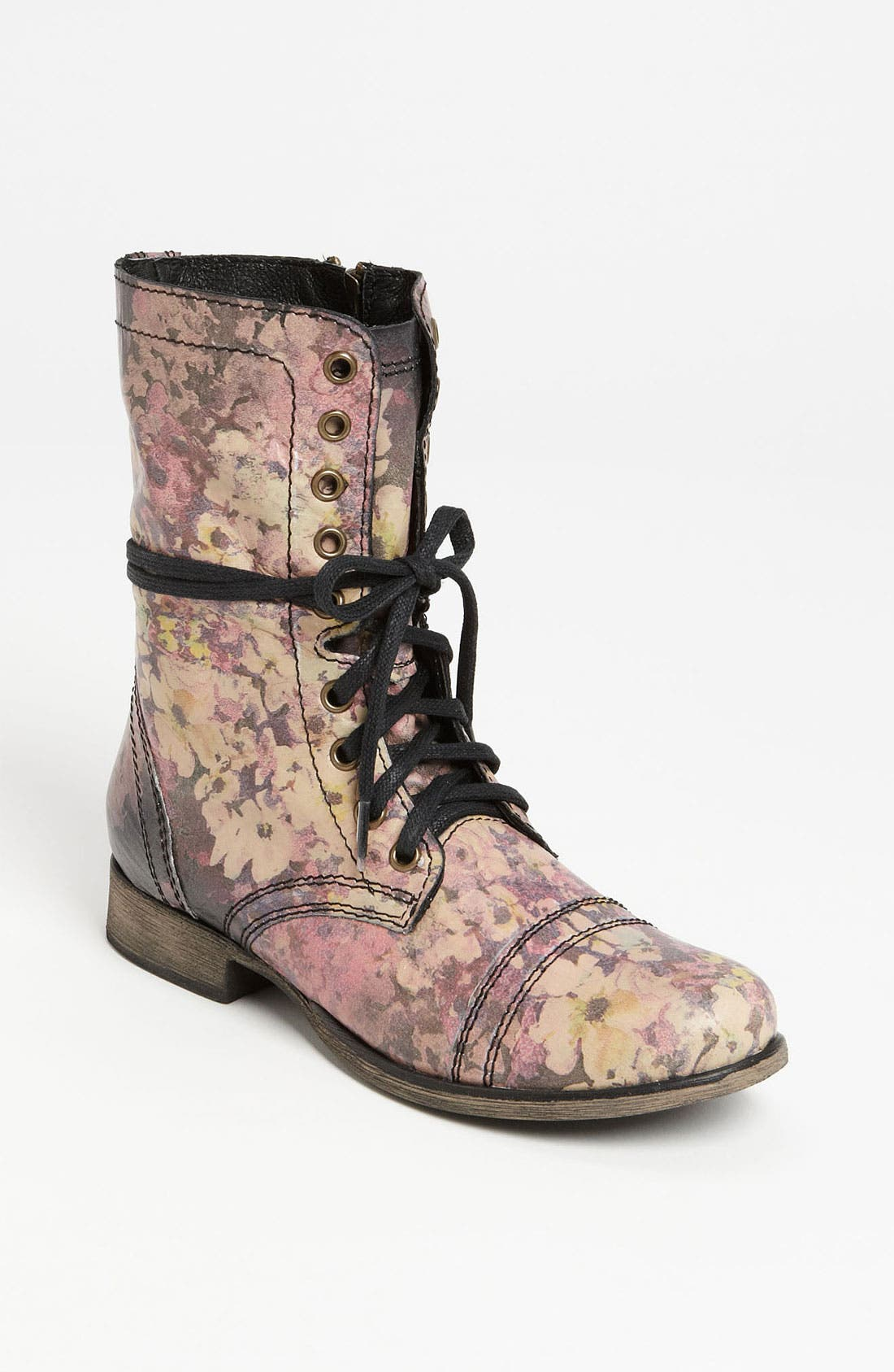 Alternate Image 1 Selected - Steve Madden 'Blomm' Boot