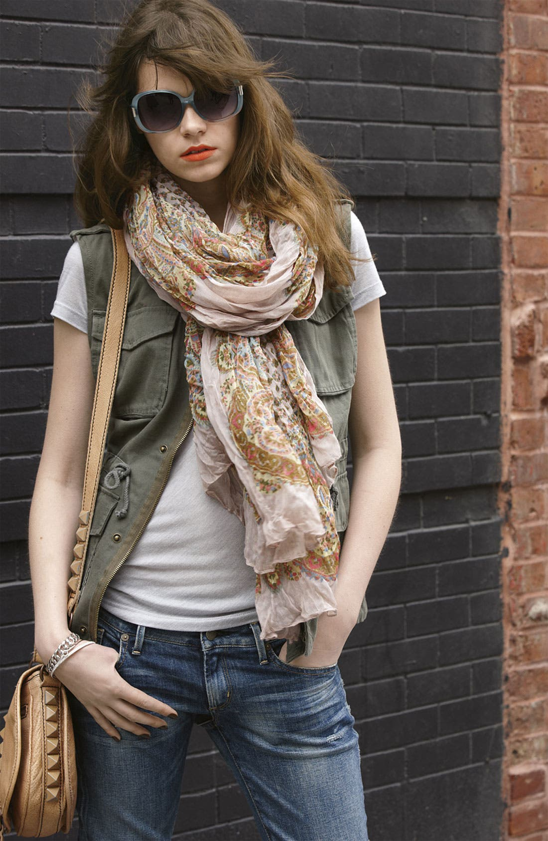 Alternate Image 3  - Roffe Accessories Crinkled Paisley Scarf