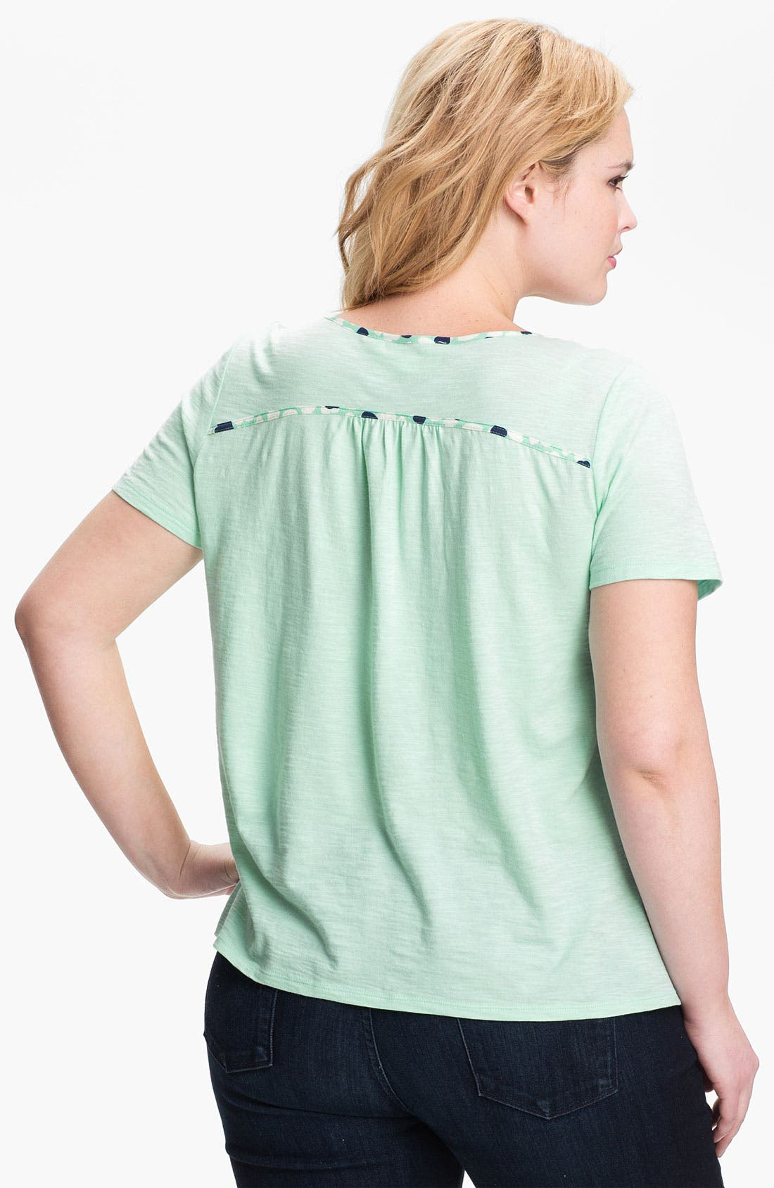 Alternate Image 2  - Two by Vince Camuto Heart Print Tee (Plus)
